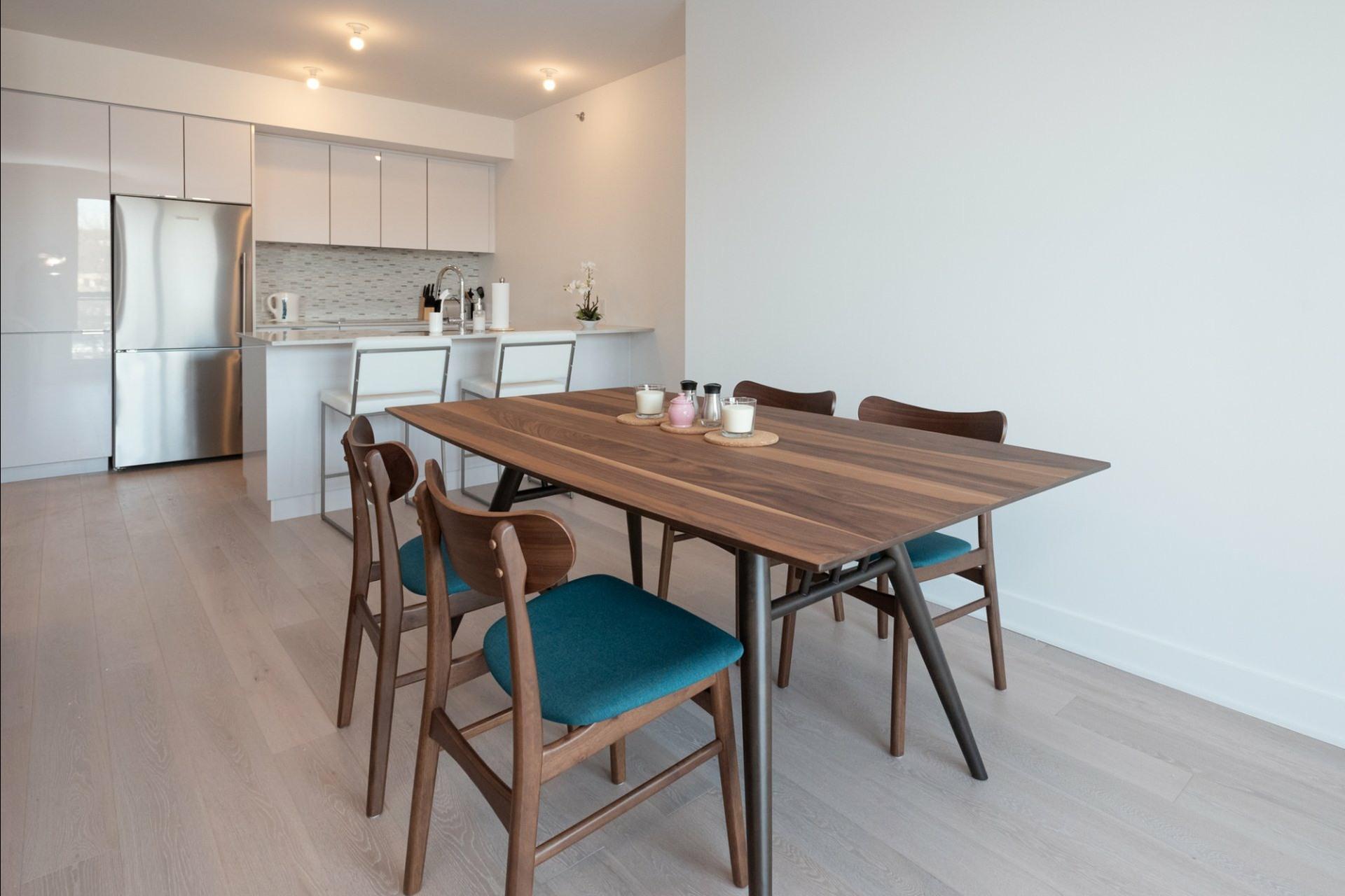 image 8 - Appartement À louer Côte-des-Neiges/Notre-Dame-de-Grâce Montréal  - 5 pièces