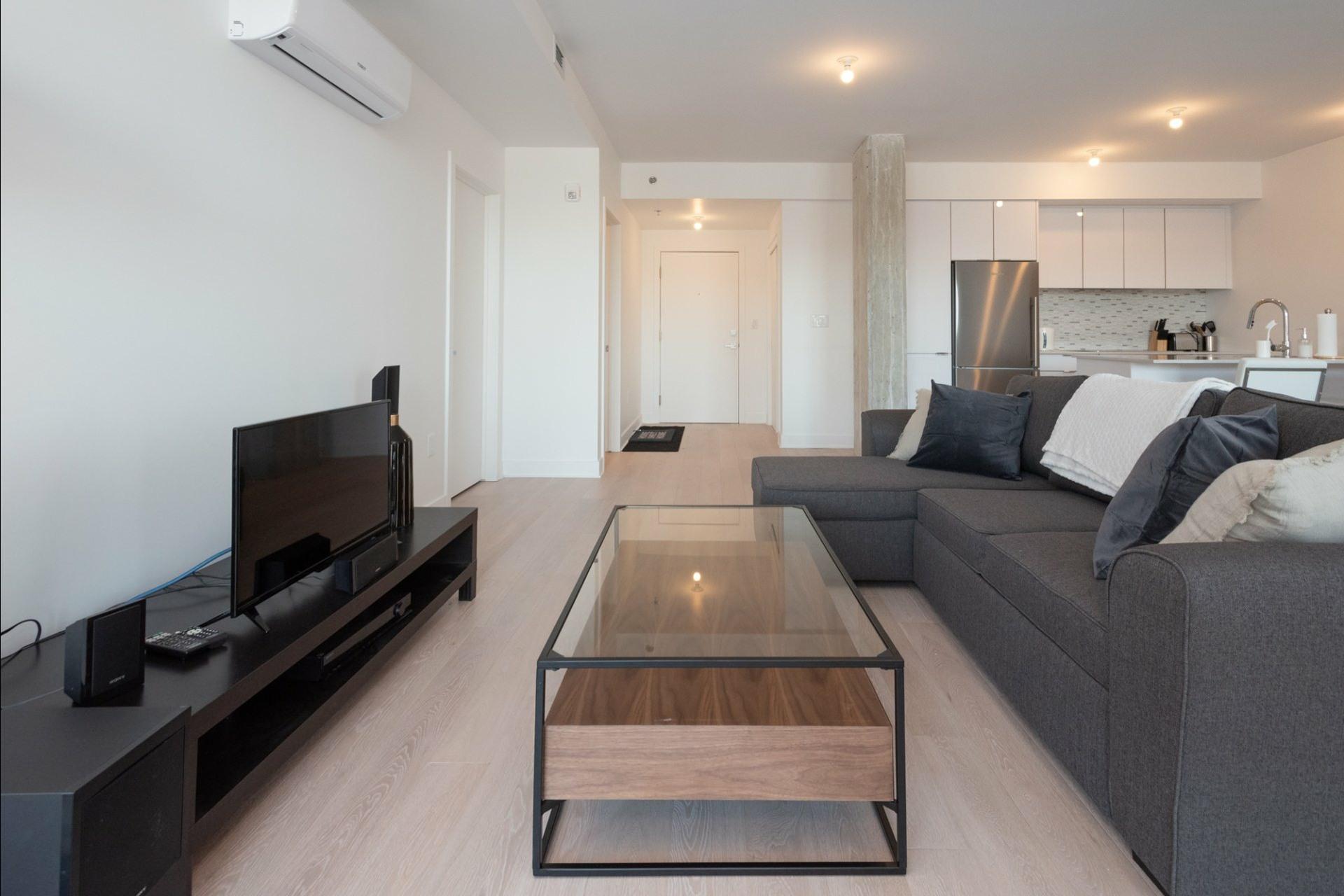 image 4 - Appartement À louer Côte-des-Neiges/Notre-Dame-de-Grâce Montréal  - 5 pièces