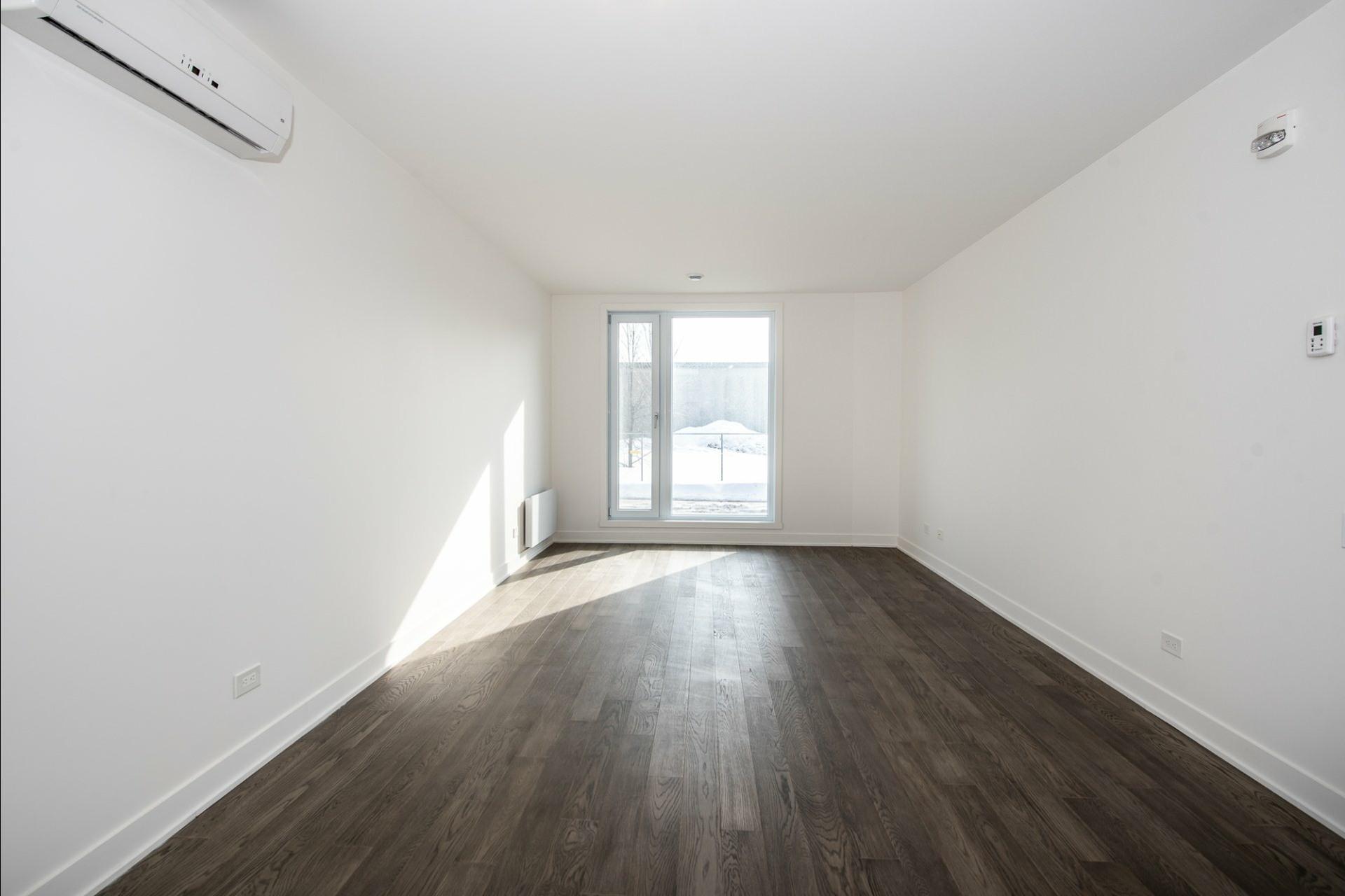 image 9 - Appartement À louer Villeray/Saint-Michel/Parc-Extension Montréal  - 5 pièces