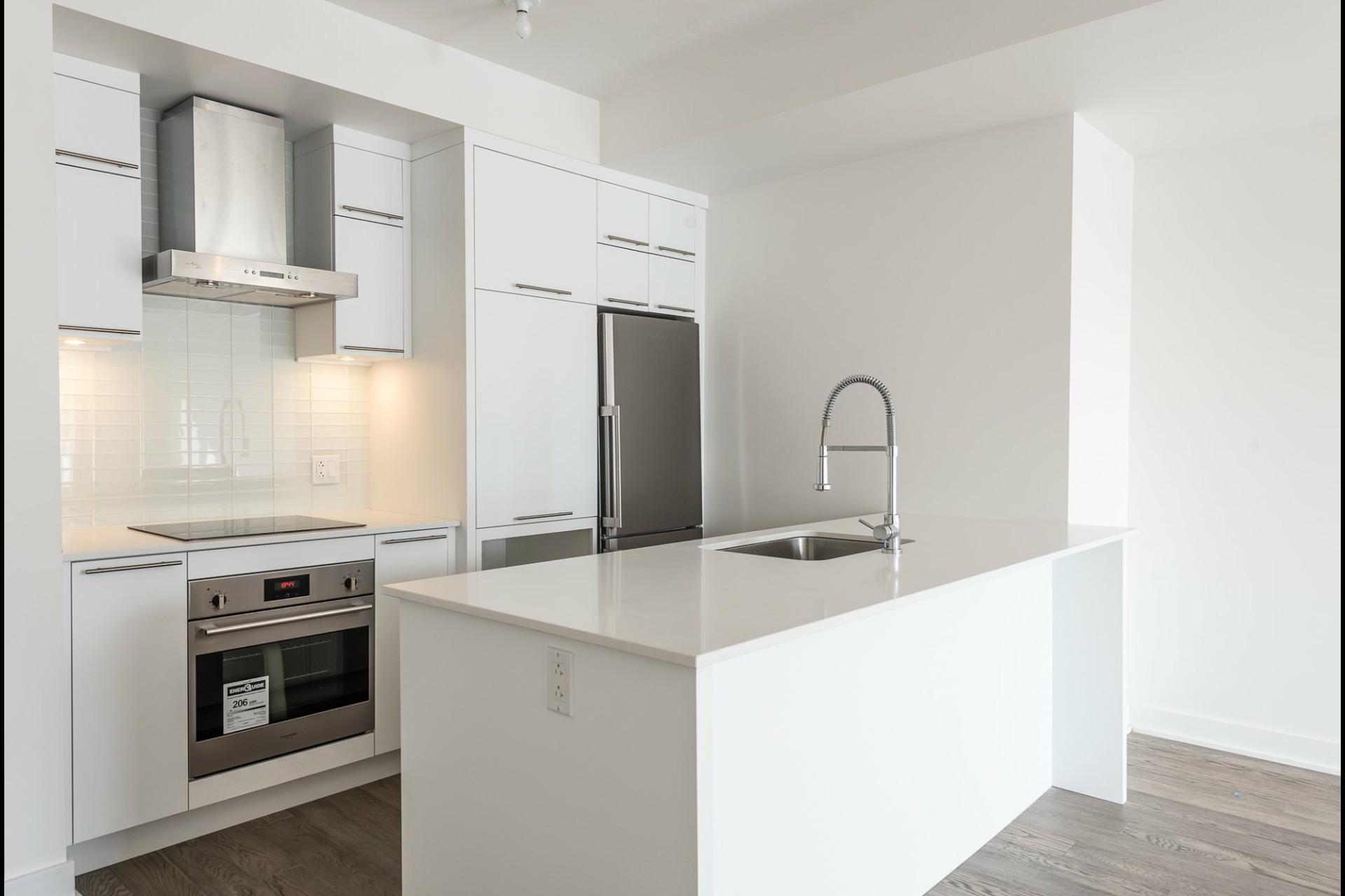 image 5 - Appartement À louer Villeray/Saint-Michel/Parc-Extension Montréal  - 5 pièces