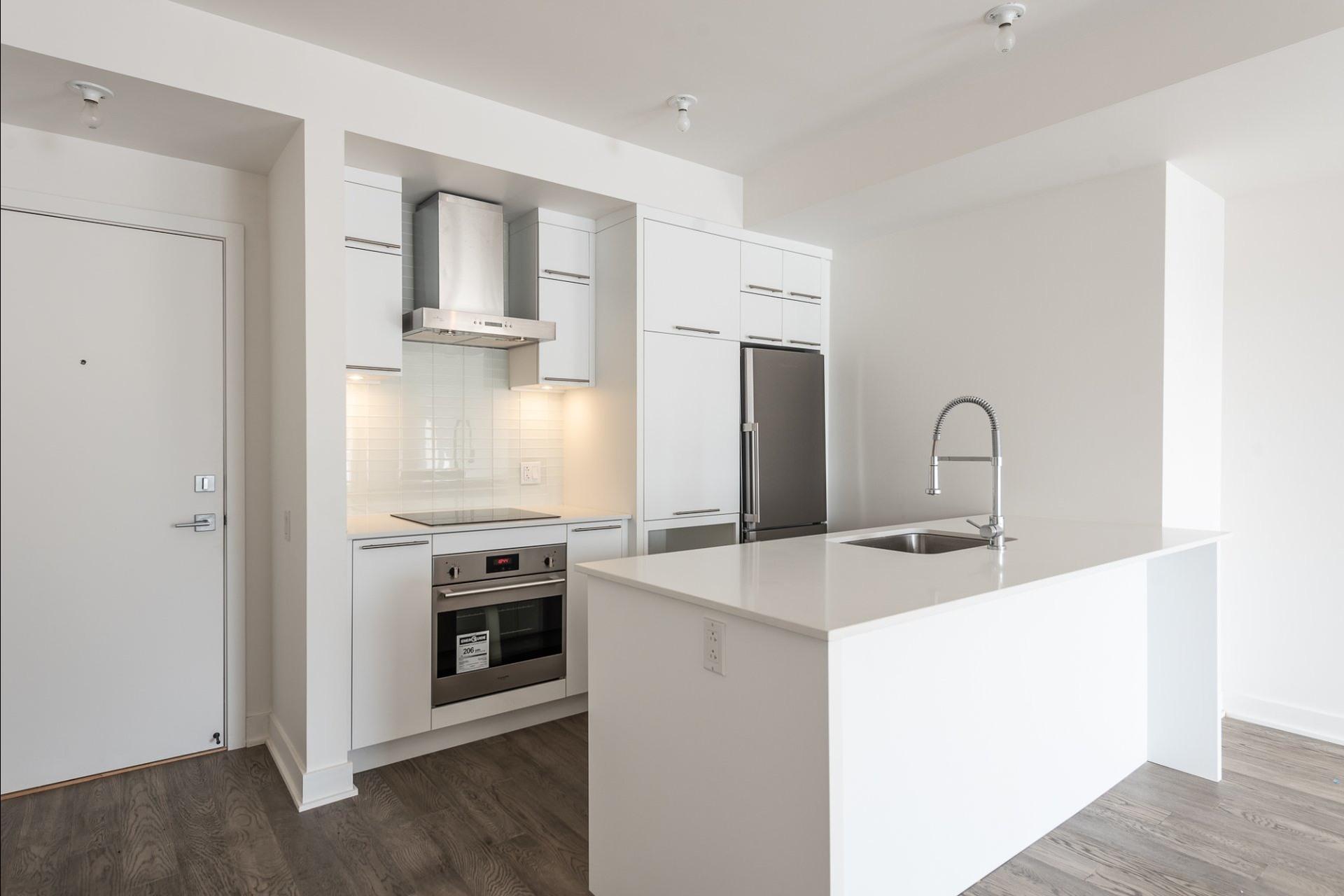 image 4 - Appartement À louer Villeray/Saint-Michel/Parc-Extension Montréal  - 5 pièces