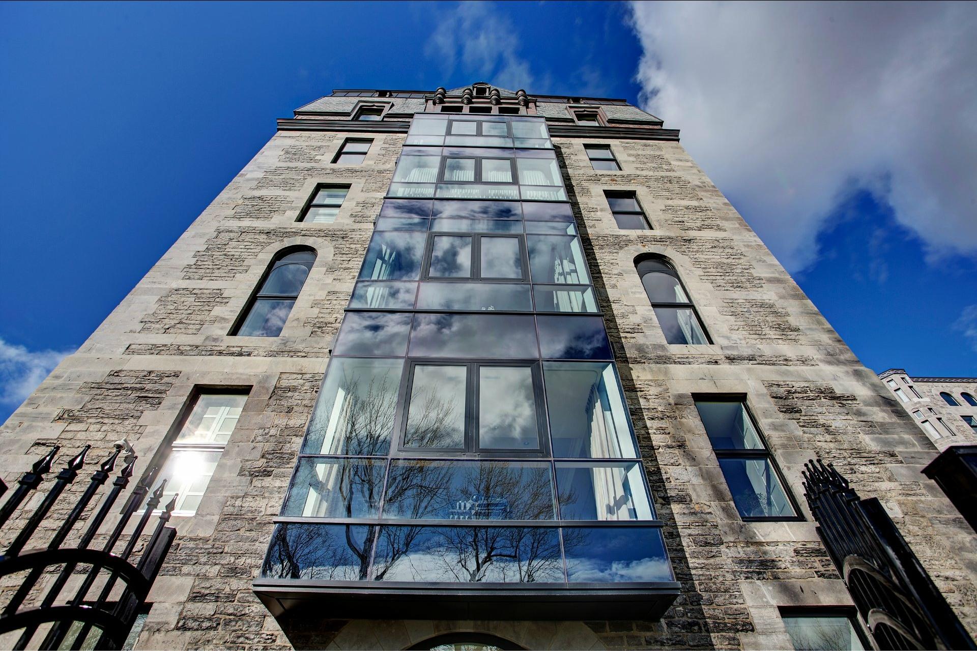 image 2 - Appartement À vendre Ville-Marie Montréal  - 4 pièces