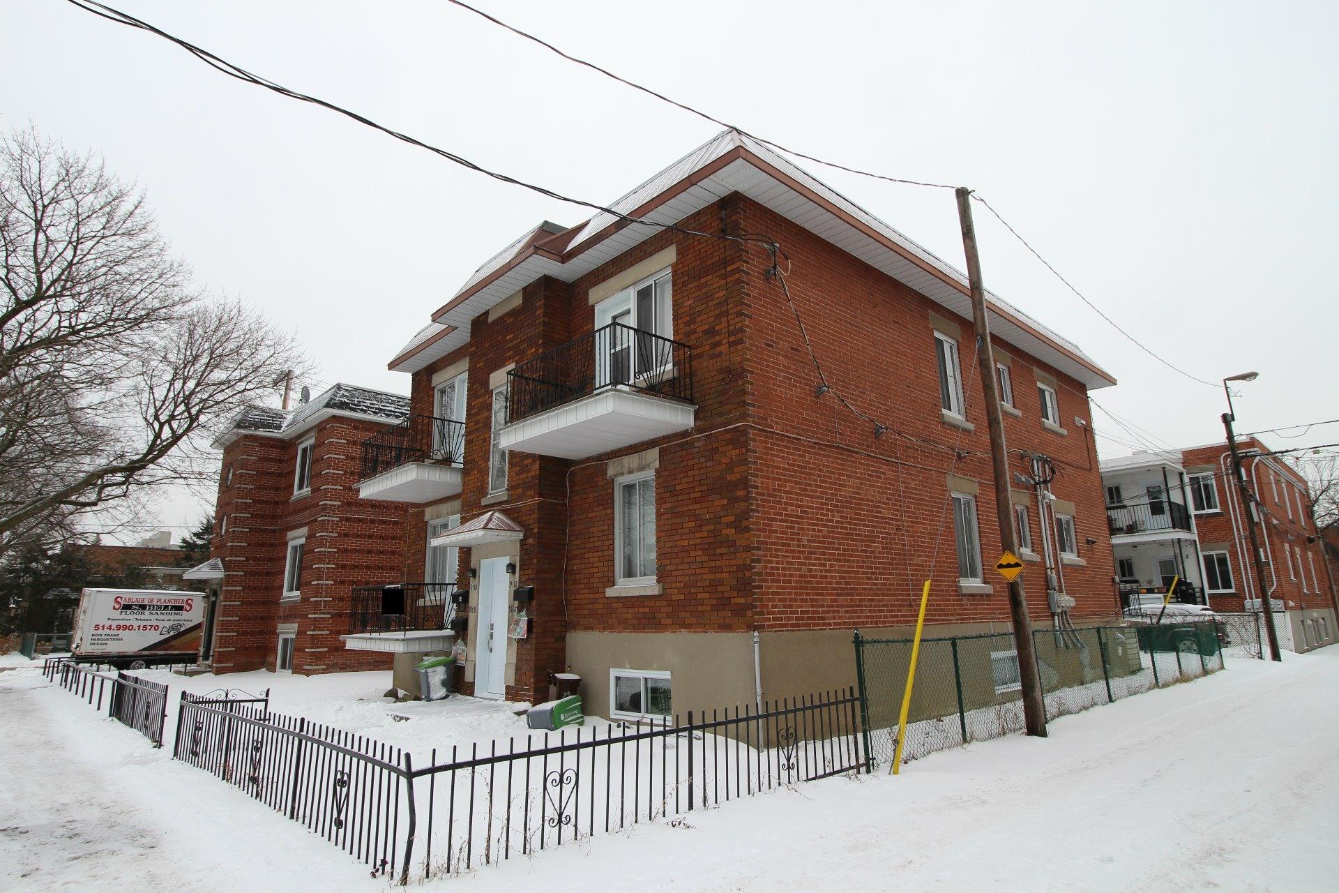 image 18 - Appartement À louer Ahuntsic-Cartierville Montréal  - 7 pièces