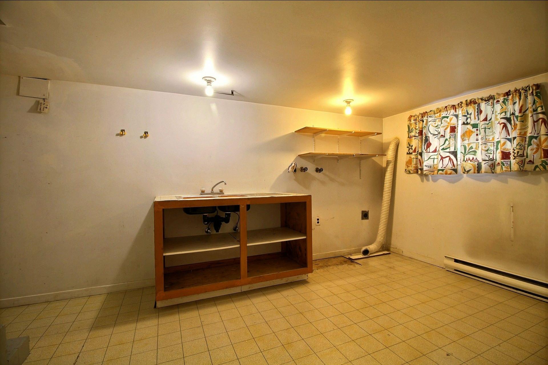 image 16 - Appartement À louer Ahuntsic-Cartierville Montréal  - 7 pièces