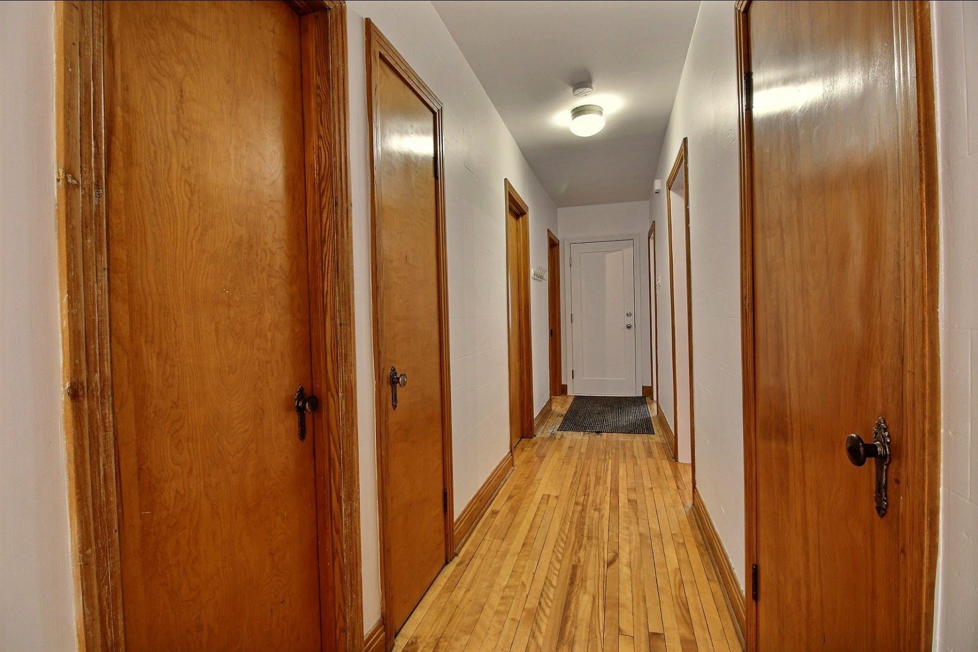 image 14 - Appartement À louer Ahuntsic-Cartierville Montréal  - 7 pièces