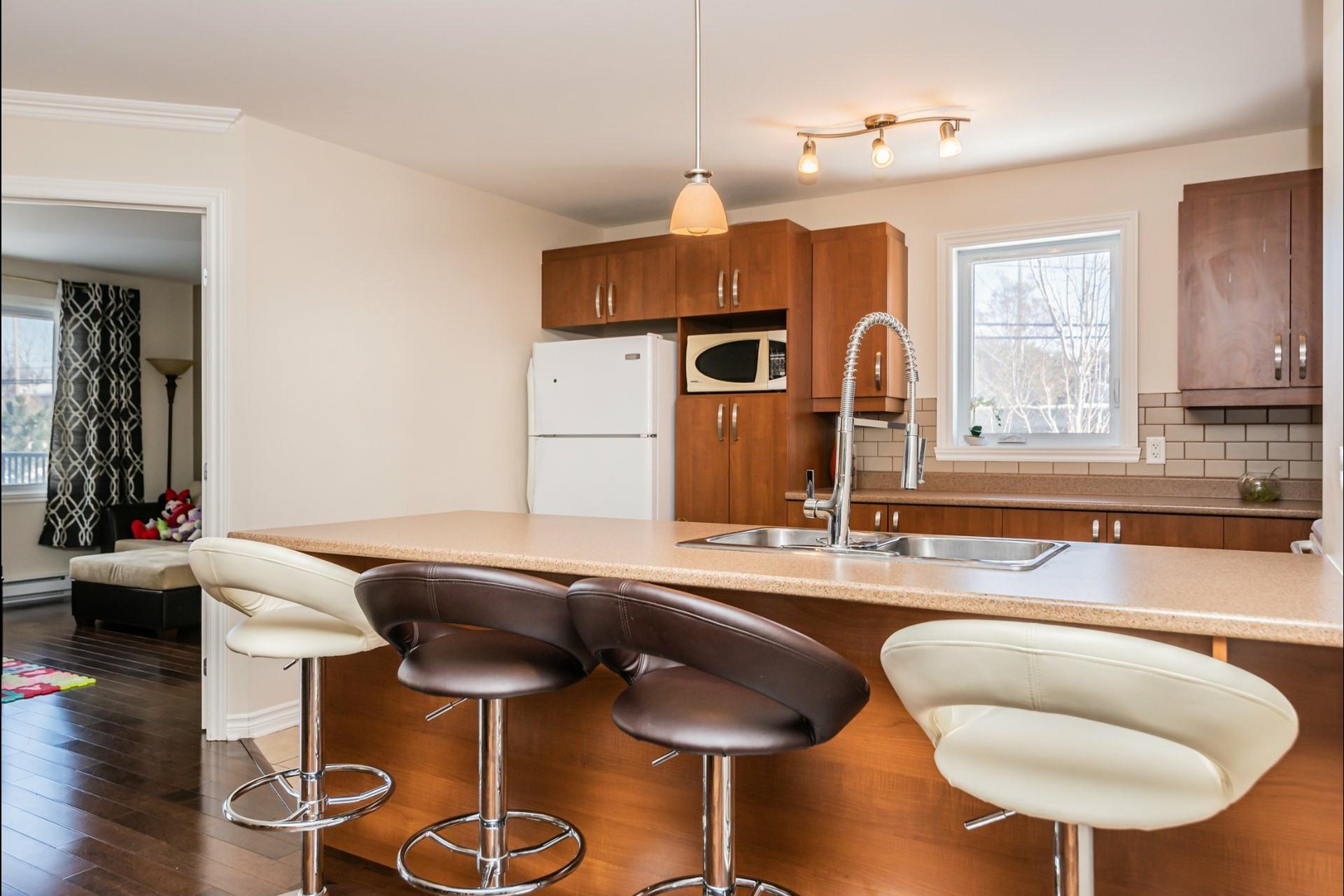 image 1 - Appartement À vendre Auteuil Laval  - 8 pièces