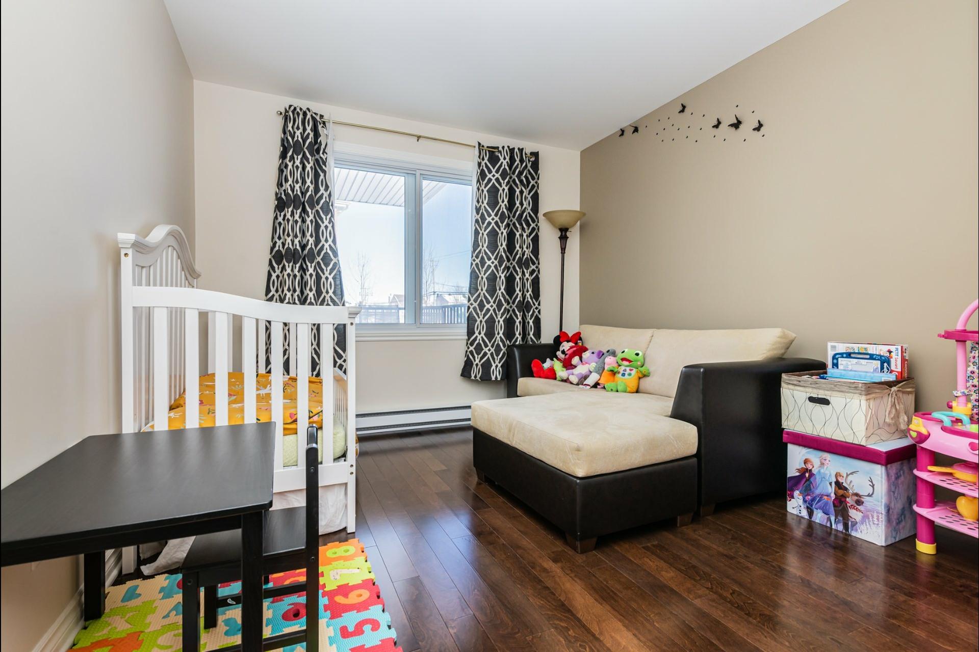 image 12 - Appartement À vendre Auteuil Laval  - 8 pièces
