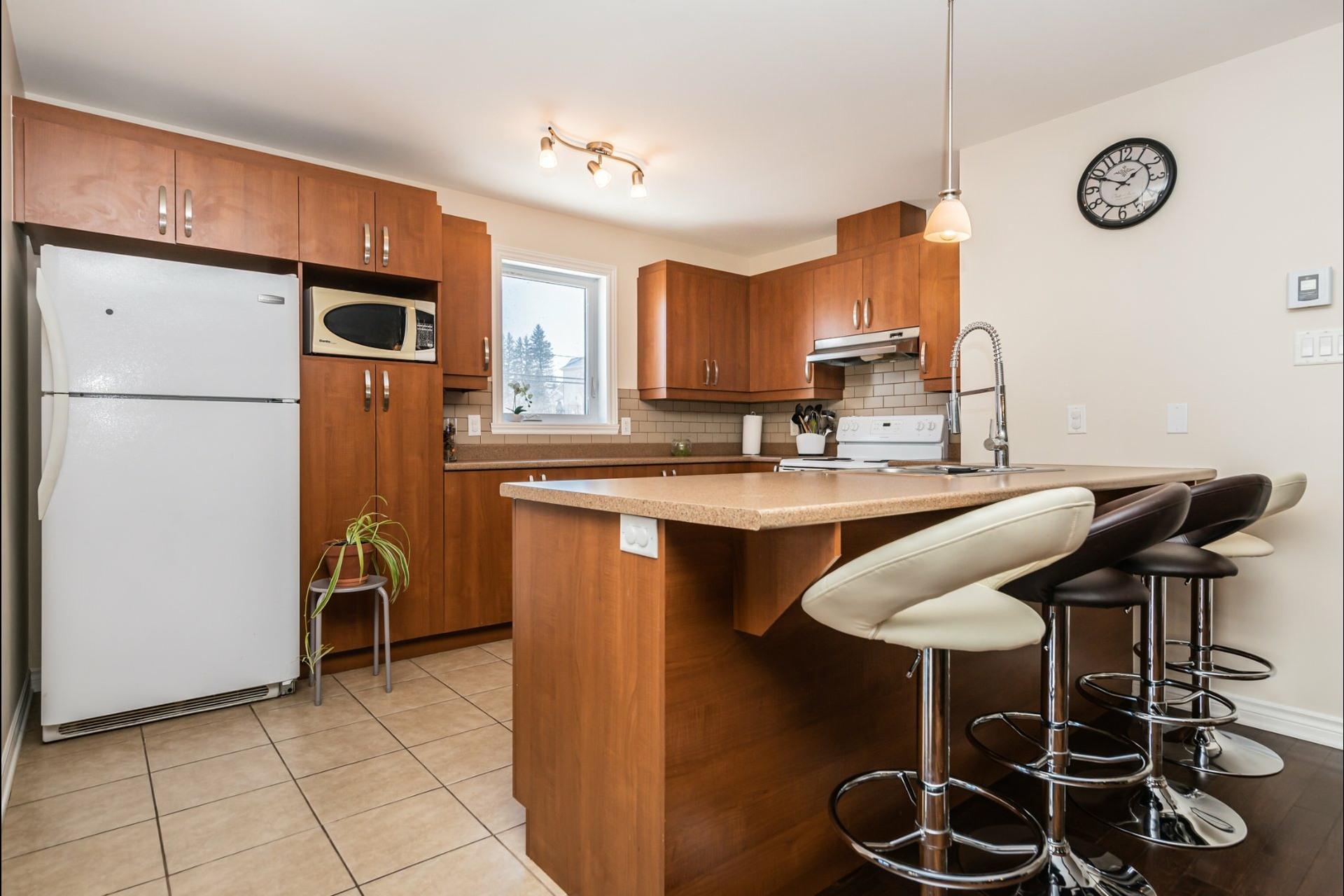 image 3 - Appartement À vendre Auteuil Laval  - 8 pièces