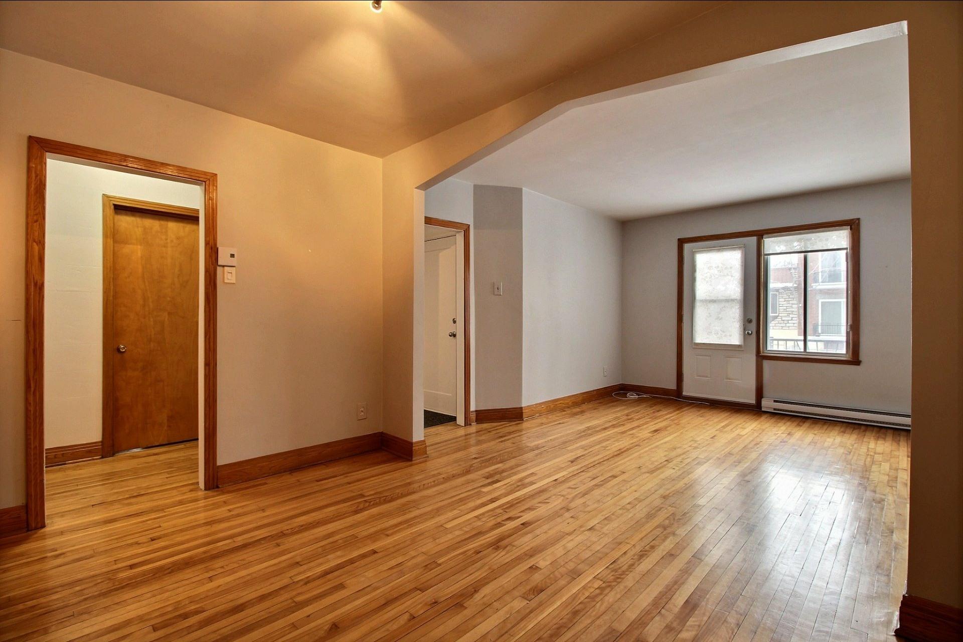 image 5 - Appartement À louer Ahuntsic-Cartierville Montréal  - 7 pièces
