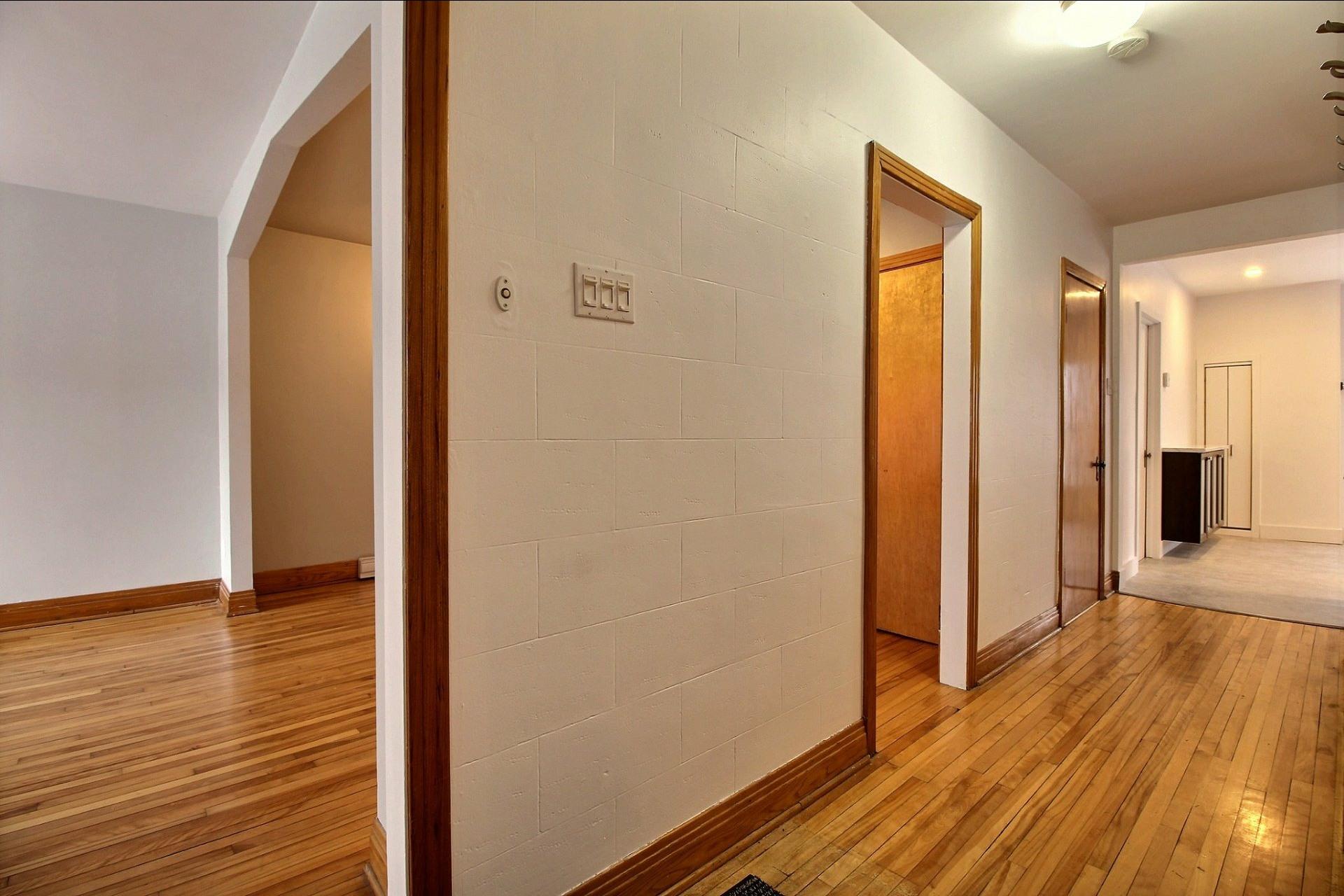 image 12 - Appartement À louer Ahuntsic-Cartierville Montréal  - 7 pièces