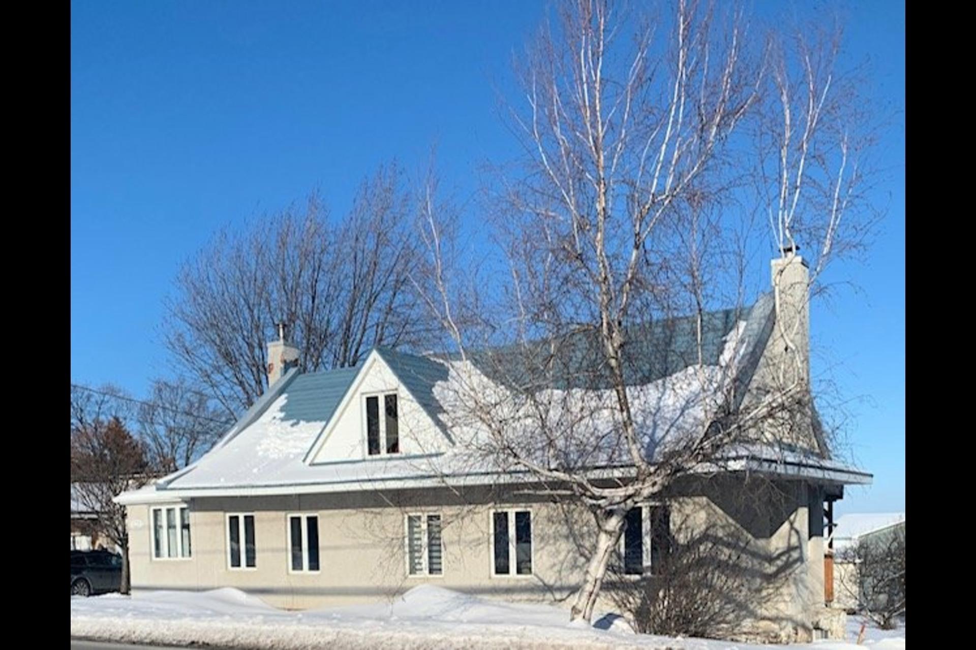 image 1 - Maison À vendre Saint-Joseph-du-Lac - 8 pièces