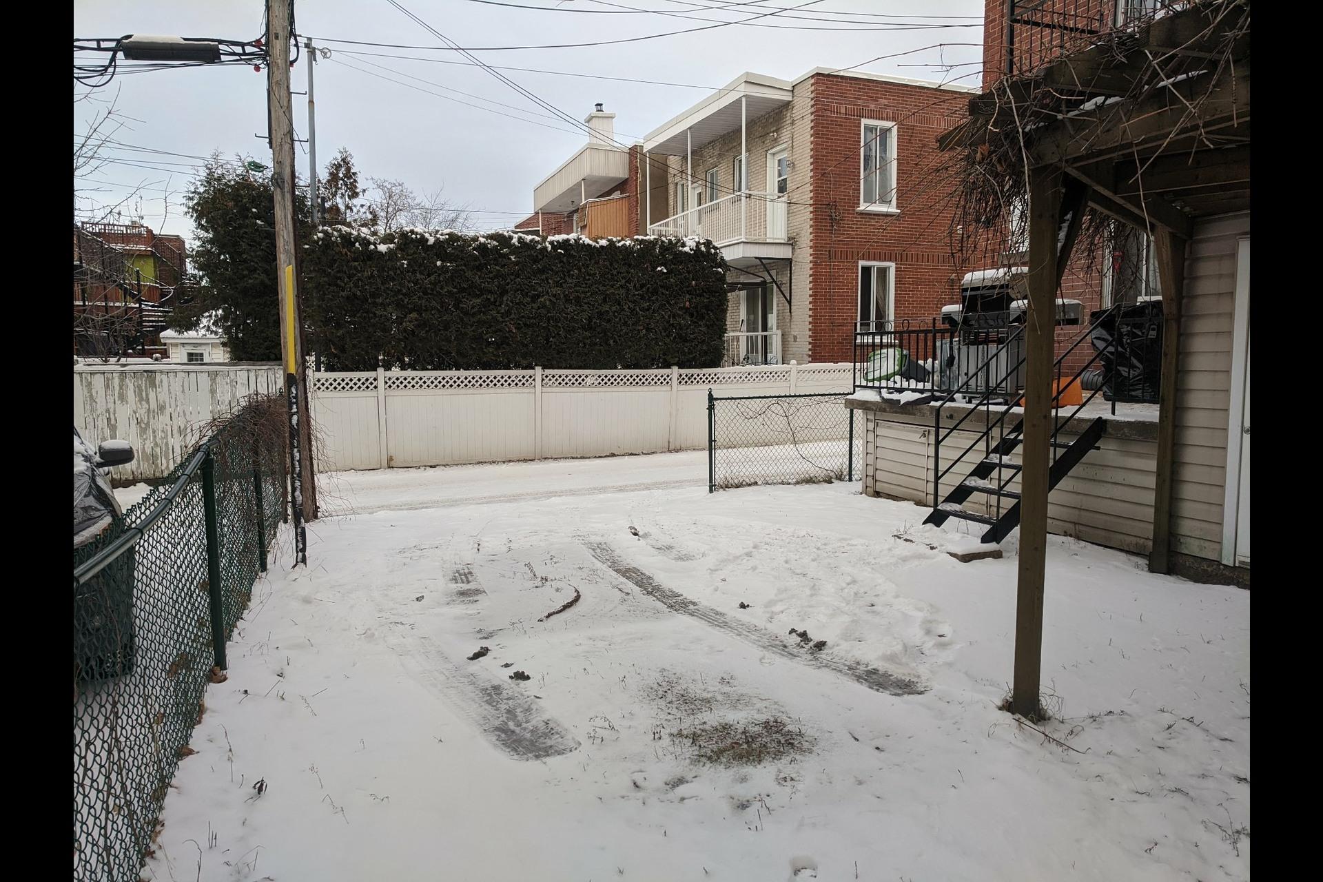 image 19 - Appartement À louer Ahuntsic-Cartierville Montréal  - 7 pièces