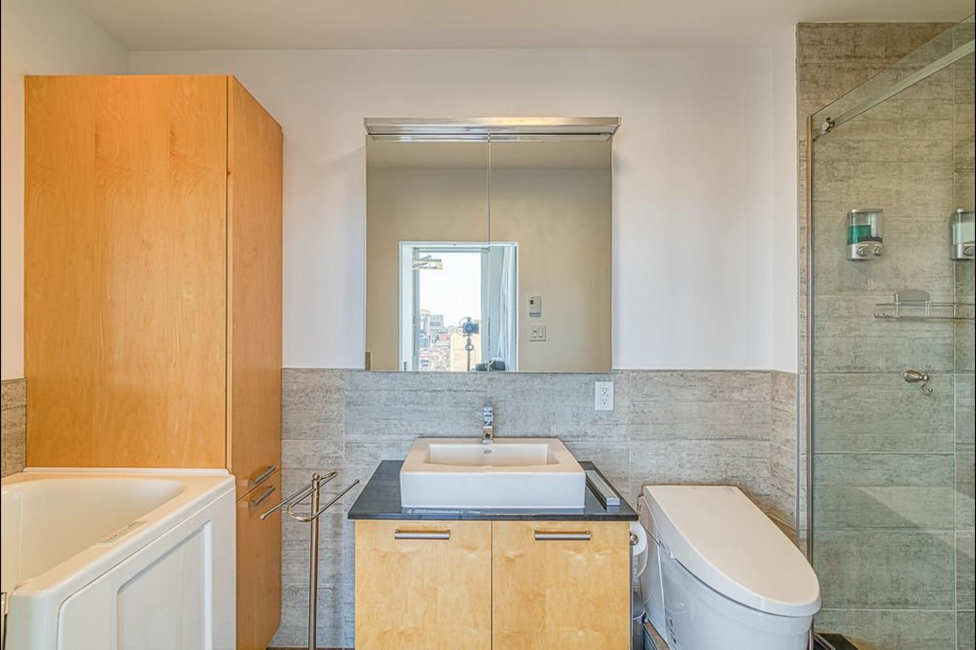 image 9 - Appartement À vendre Ville-Marie Montréal  - 7 pièces