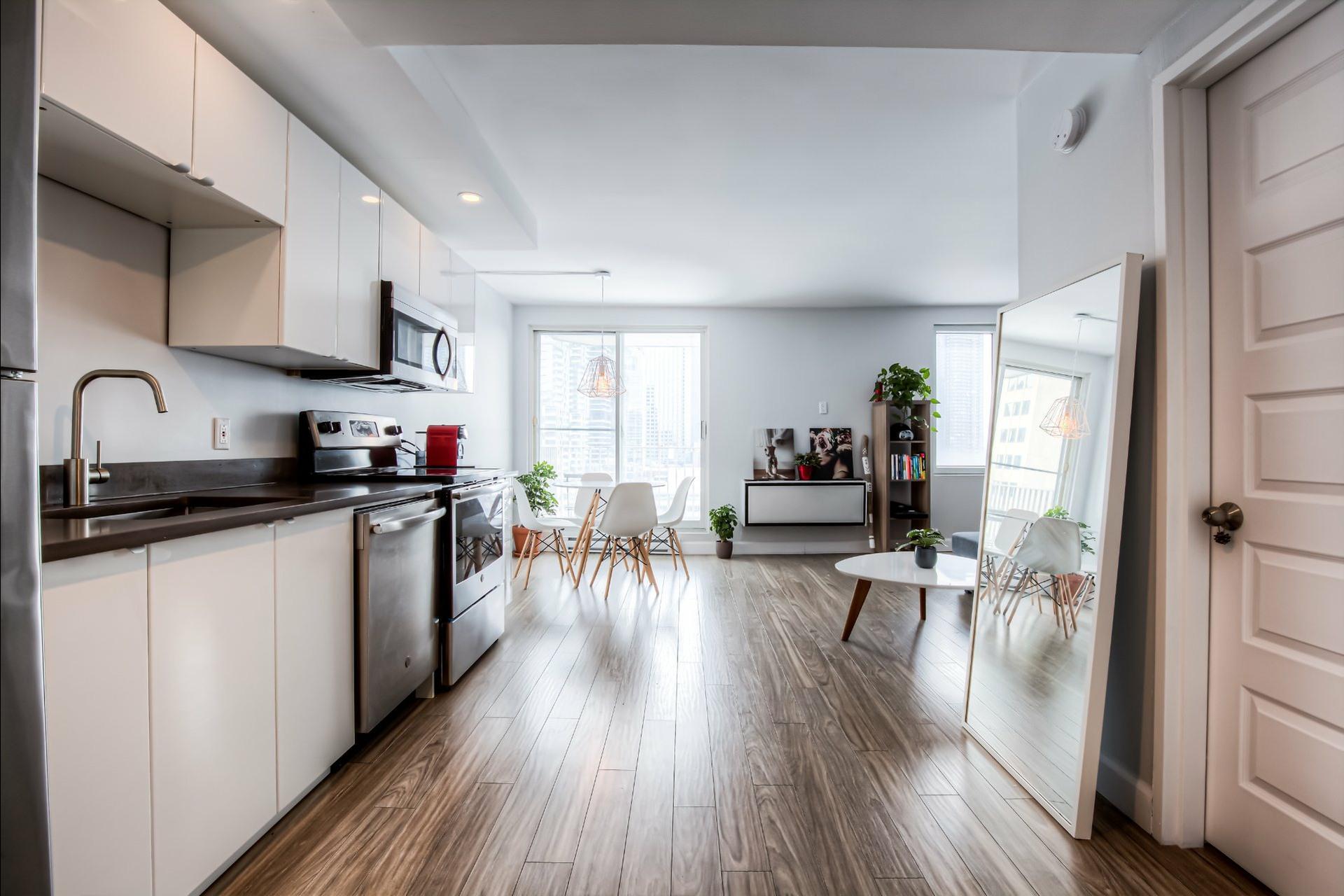 image 12 - Appartement À vendre Ville-Marie Montréal  - 5 pièces