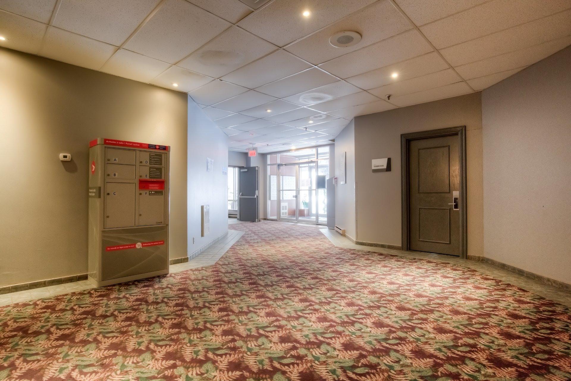 image 28 - Appartement À vendre Ville-Marie Montréal  - 5 pièces