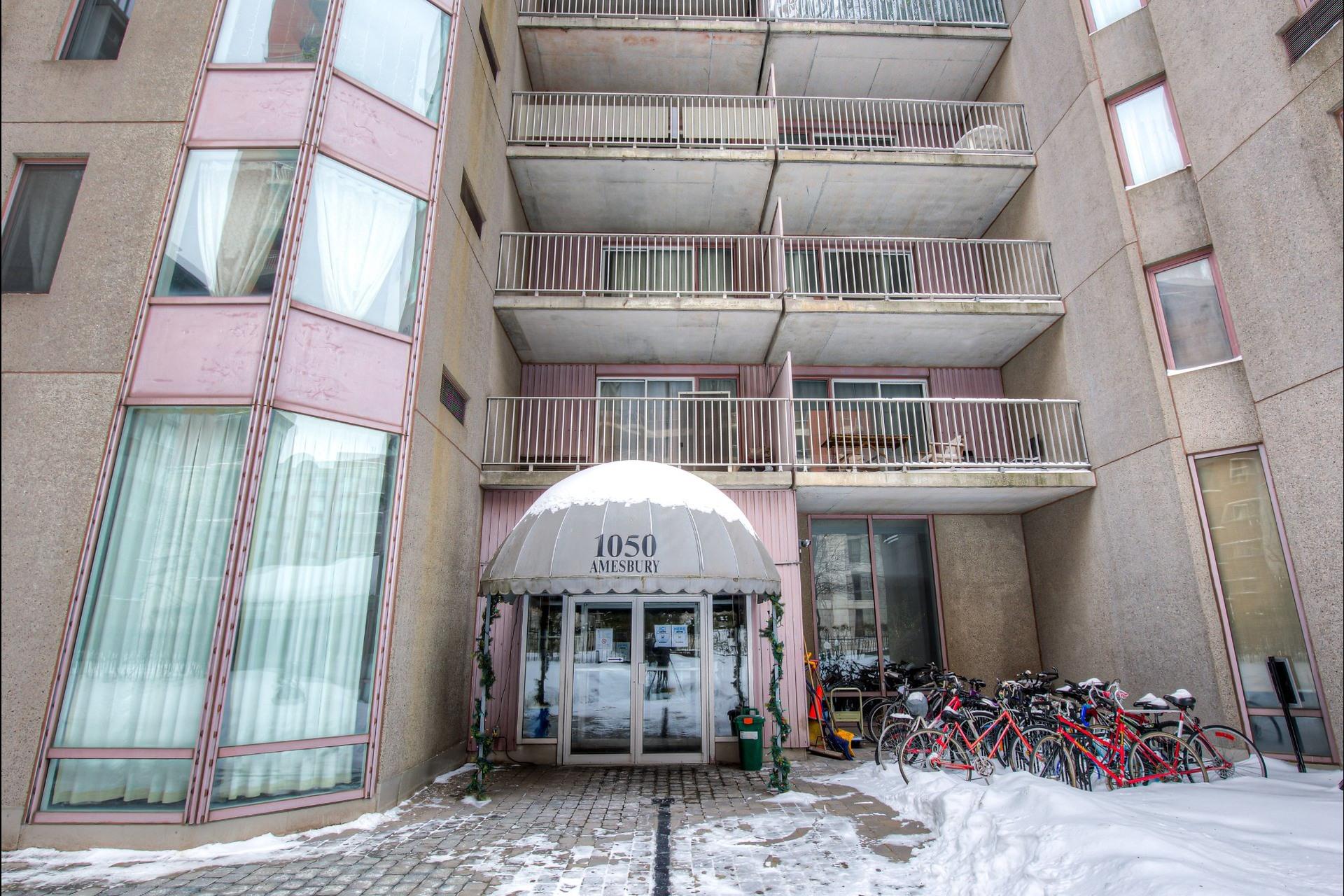 image 24 - Appartement À vendre Ville-Marie Montréal  - 5 pièces