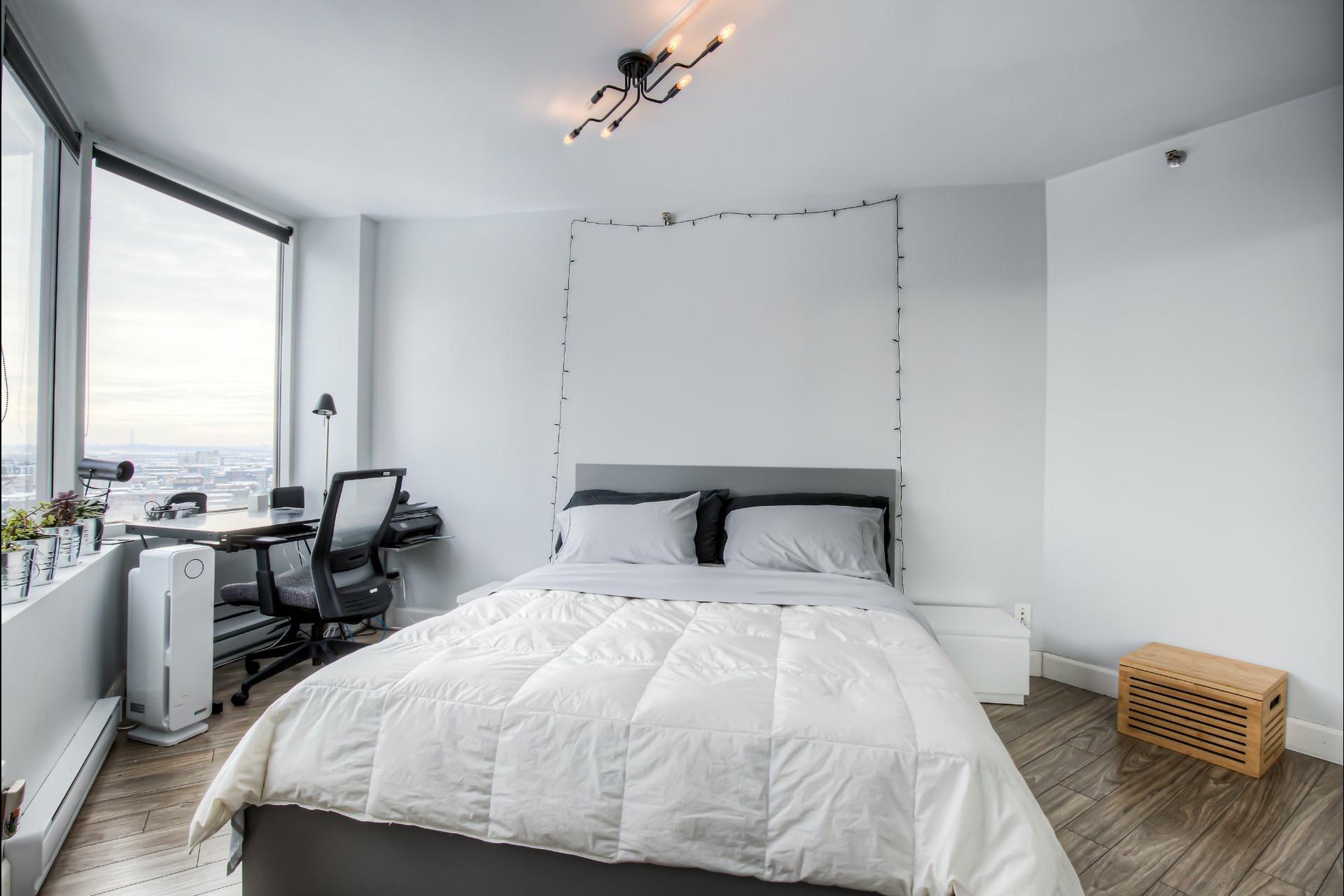 image 13 - Appartement À vendre Ville-Marie Montréal  - 5 pièces