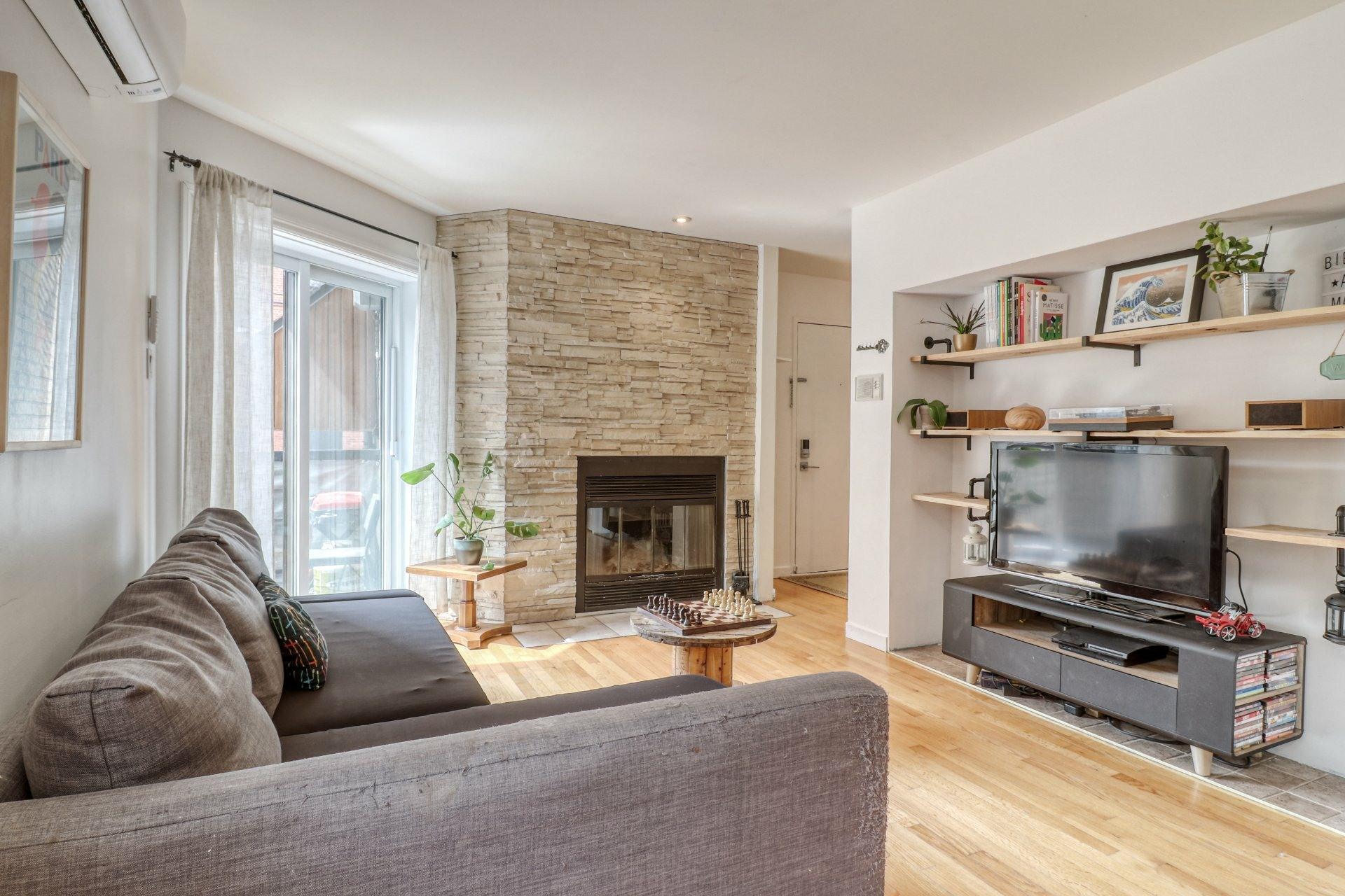 image 1 - Appartement À vendre Ville-Marie Montréal  - 5 pièces