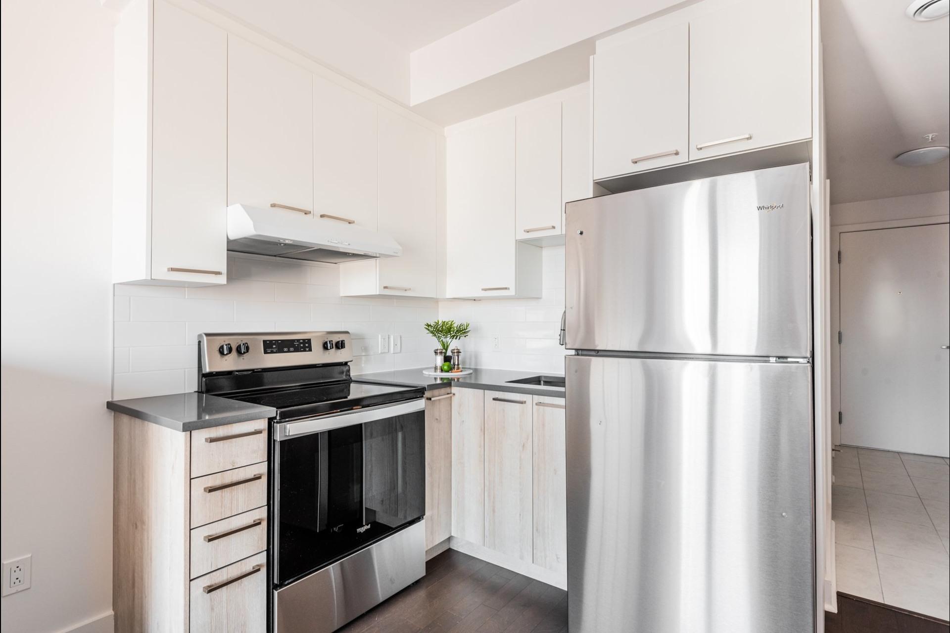 image 8 - Apartment For sale Villeray/Saint-Michel/Parc-Extension Montréal  - 3 rooms