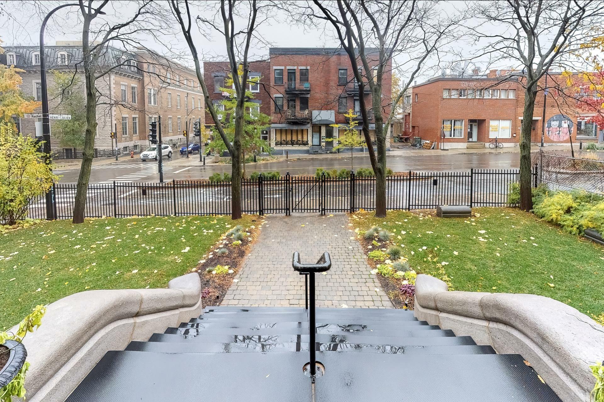 image 18 - Appartement À louer Le Plateau-Mont-Royal Montréal  - 5 pièces