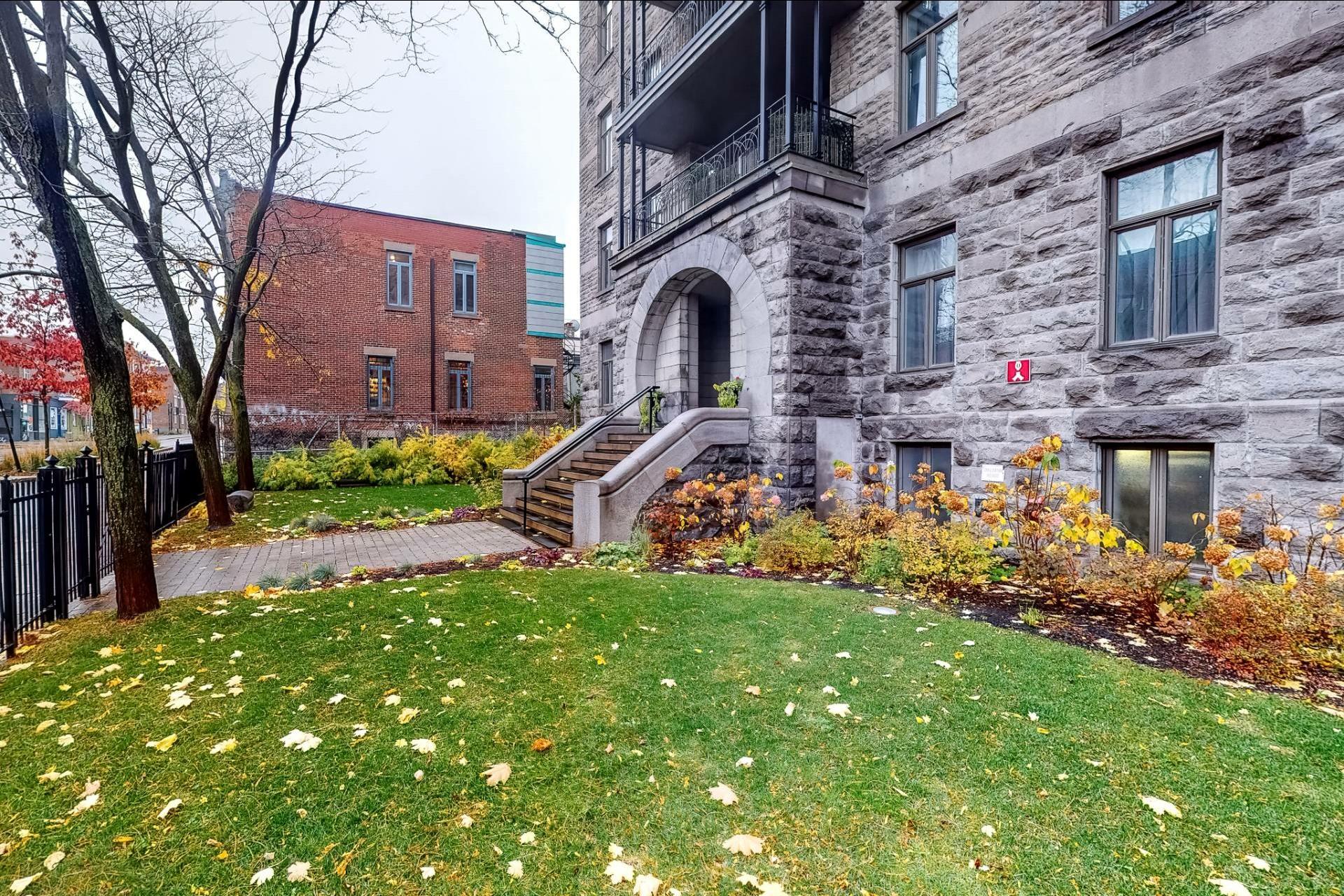 image 19 - Appartement À louer Le Plateau-Mont-Royal Montréal  - 5 pièces