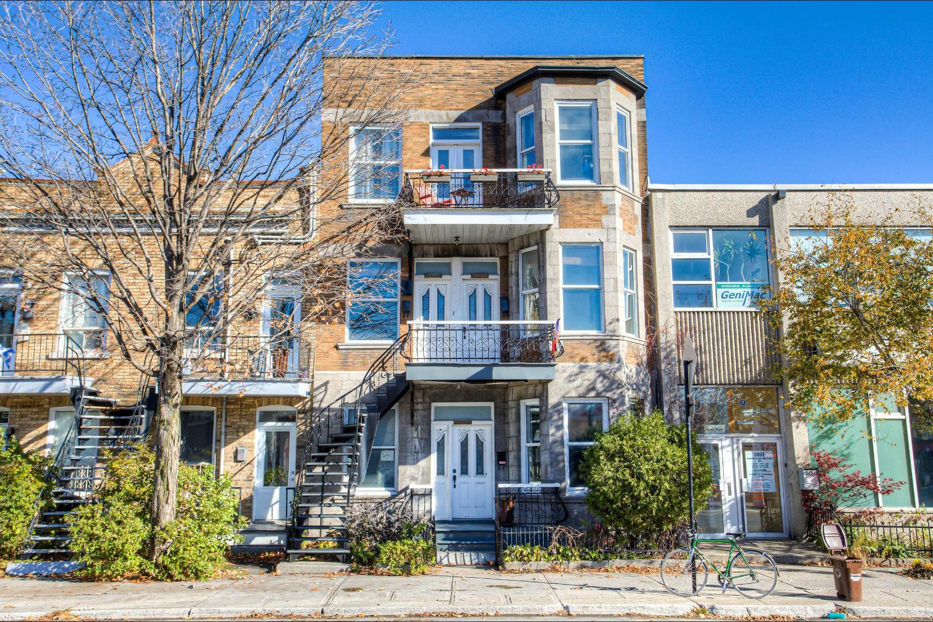 image 1 - Appartement À vendre Rosemont/La Petite-Patrie Montréal  - 8 pièces