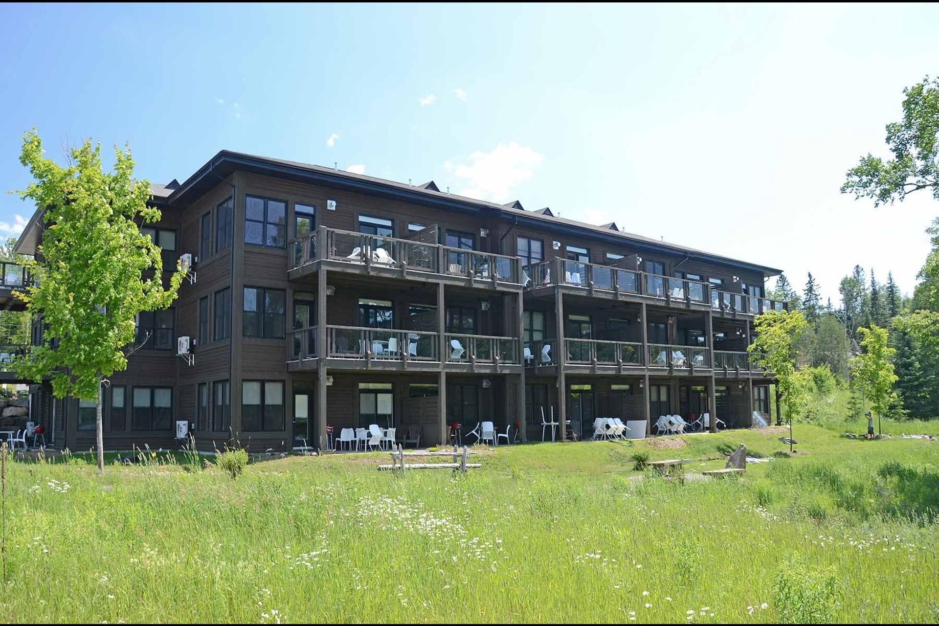 image 17 - Appartement À vendre Lac-Supérieur - 6 pièces