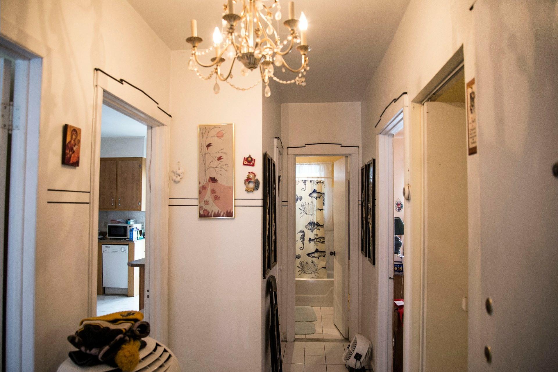 image 11 - Duplex À vendre Villeray/Saint-Michel/Parc-Extension Montréal  - 5 pièces