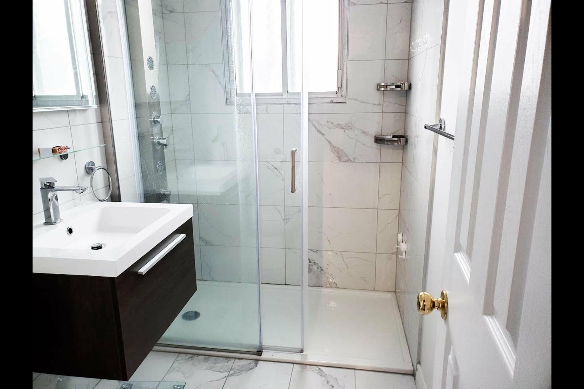 image 2 - Duplex À vendre Villeray/Saint-Michel/Parc-Extension Montréal  - 5 pièces
