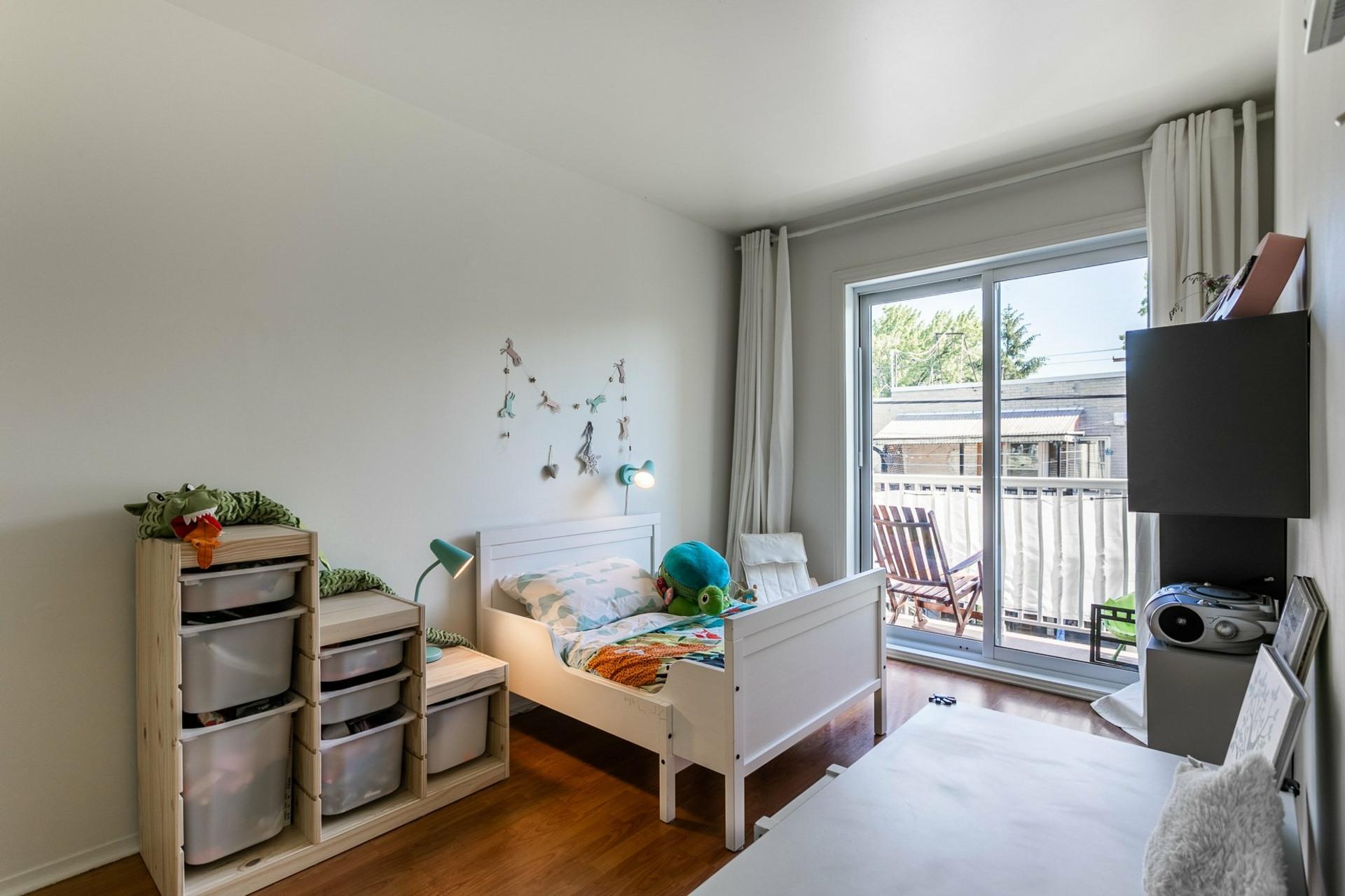 image 13 - Appartement À vendre Villeray/Saint-Michel/Parc-Extension Montréal  - 5 pièces