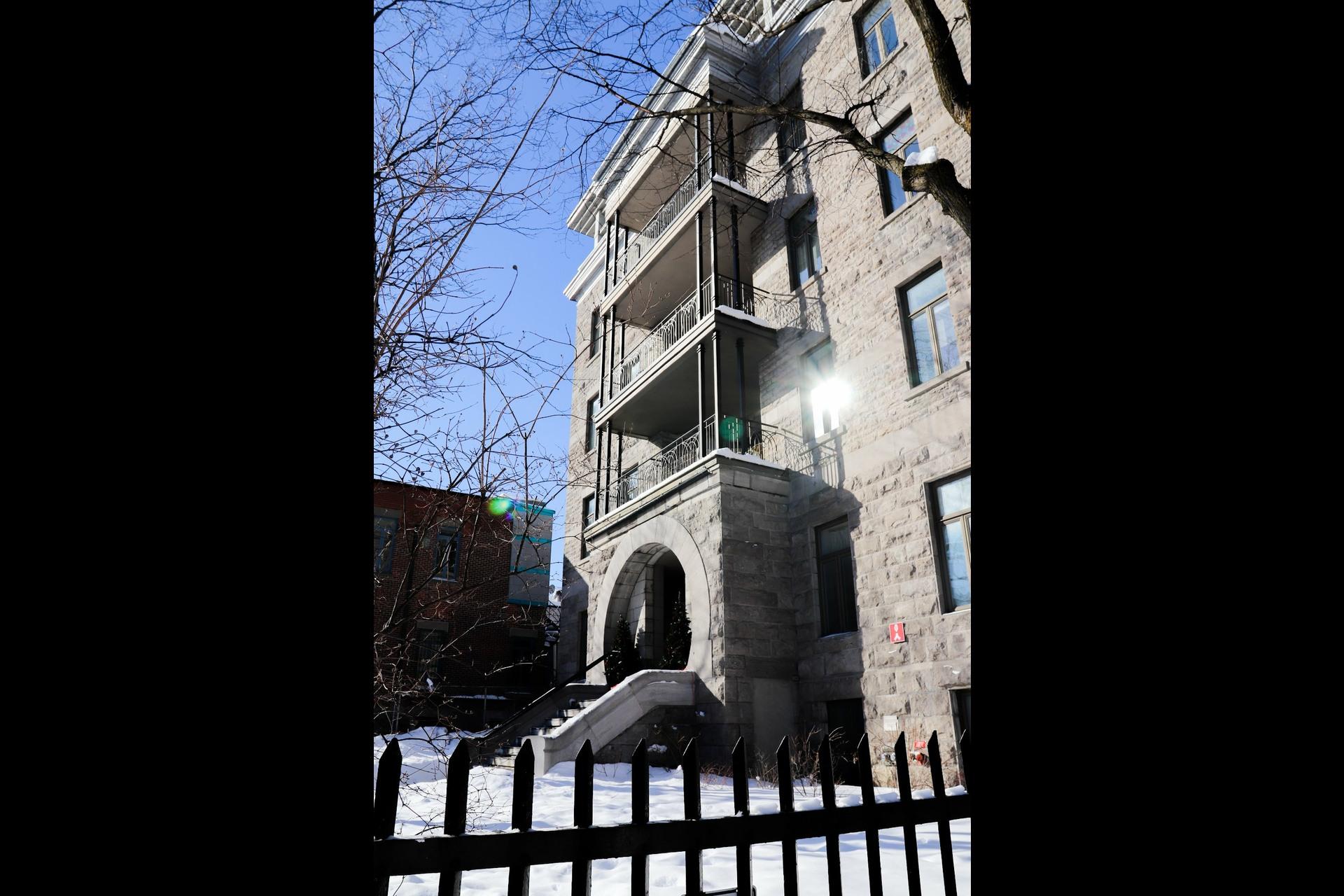 image 17 - Apartment For rent Le Plateau-Mont-Royal Montréal  - 5 rooms