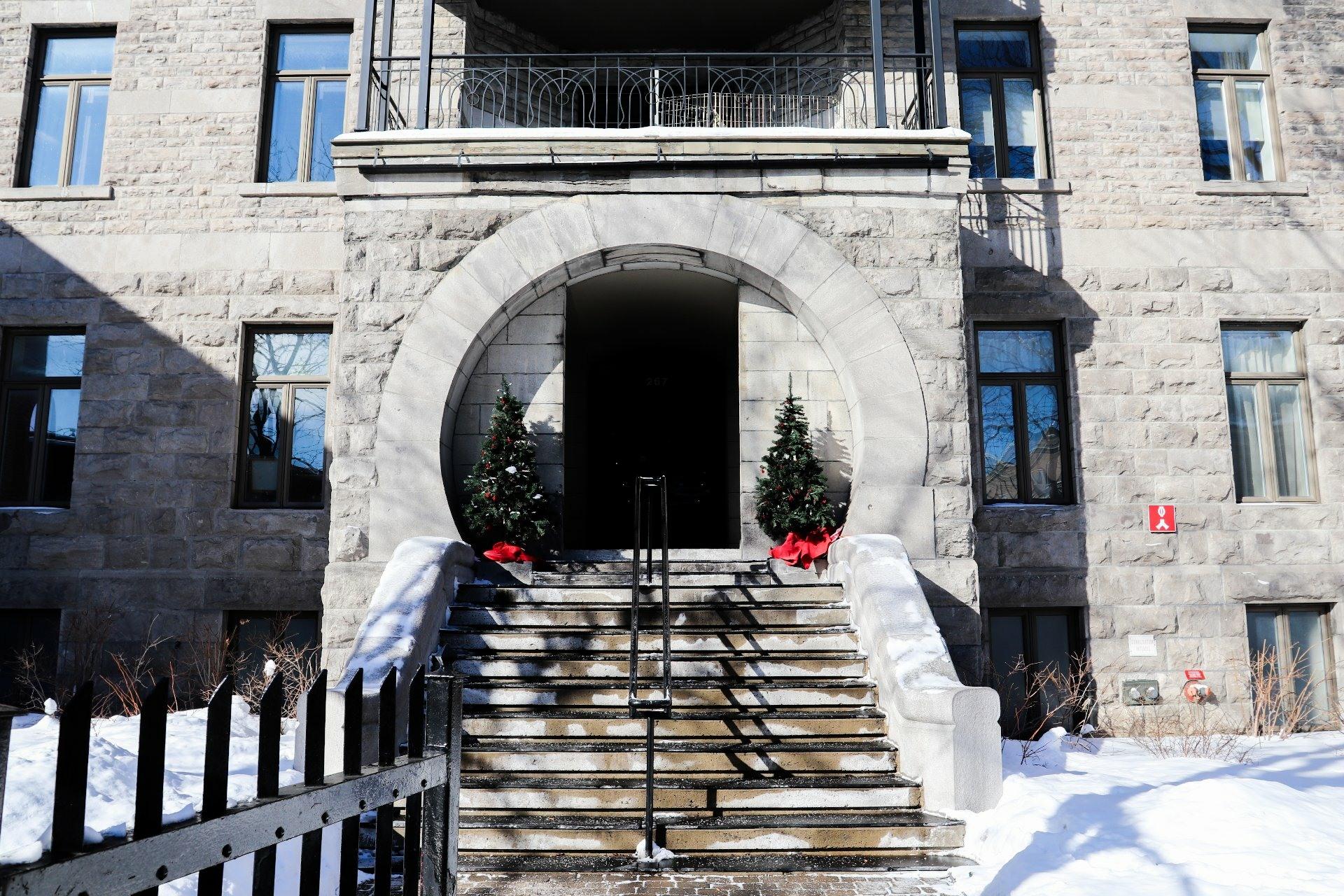image 15 - Appartement À louer Le Plateau-Mont-Royal Montréal  - 5 pièces