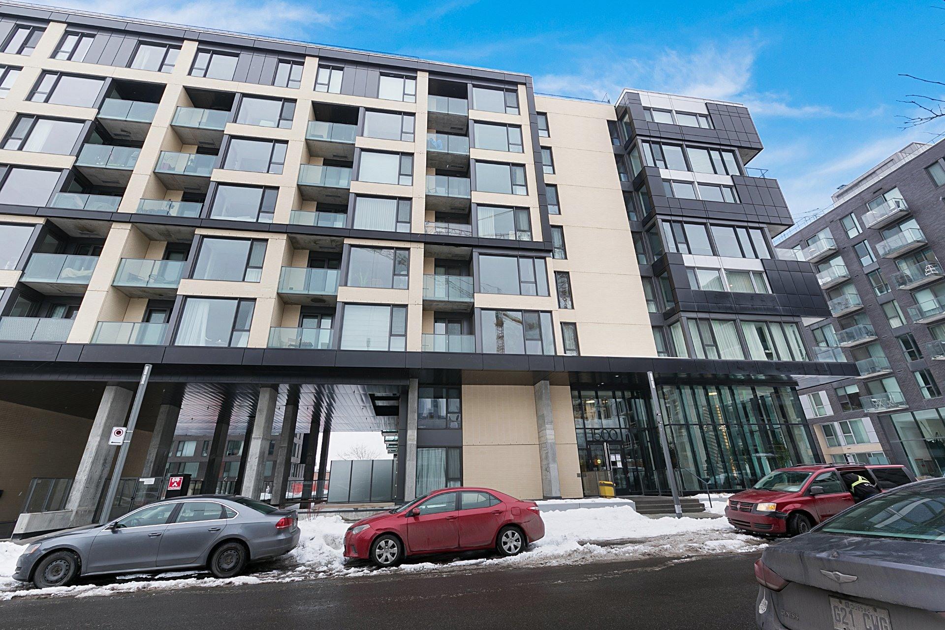 image 0 - Appartement À vendre Le Sud-Ouest Montréal  - 7 pièces
