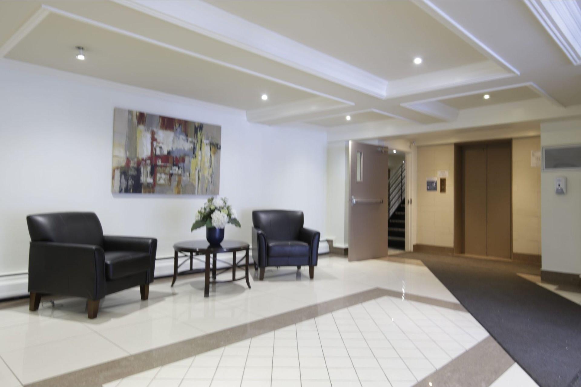 image 23 - Appartement À vendre Côte-des-Neiges/Notre-Dame-de-Grâce Montréal  - 4 pièces