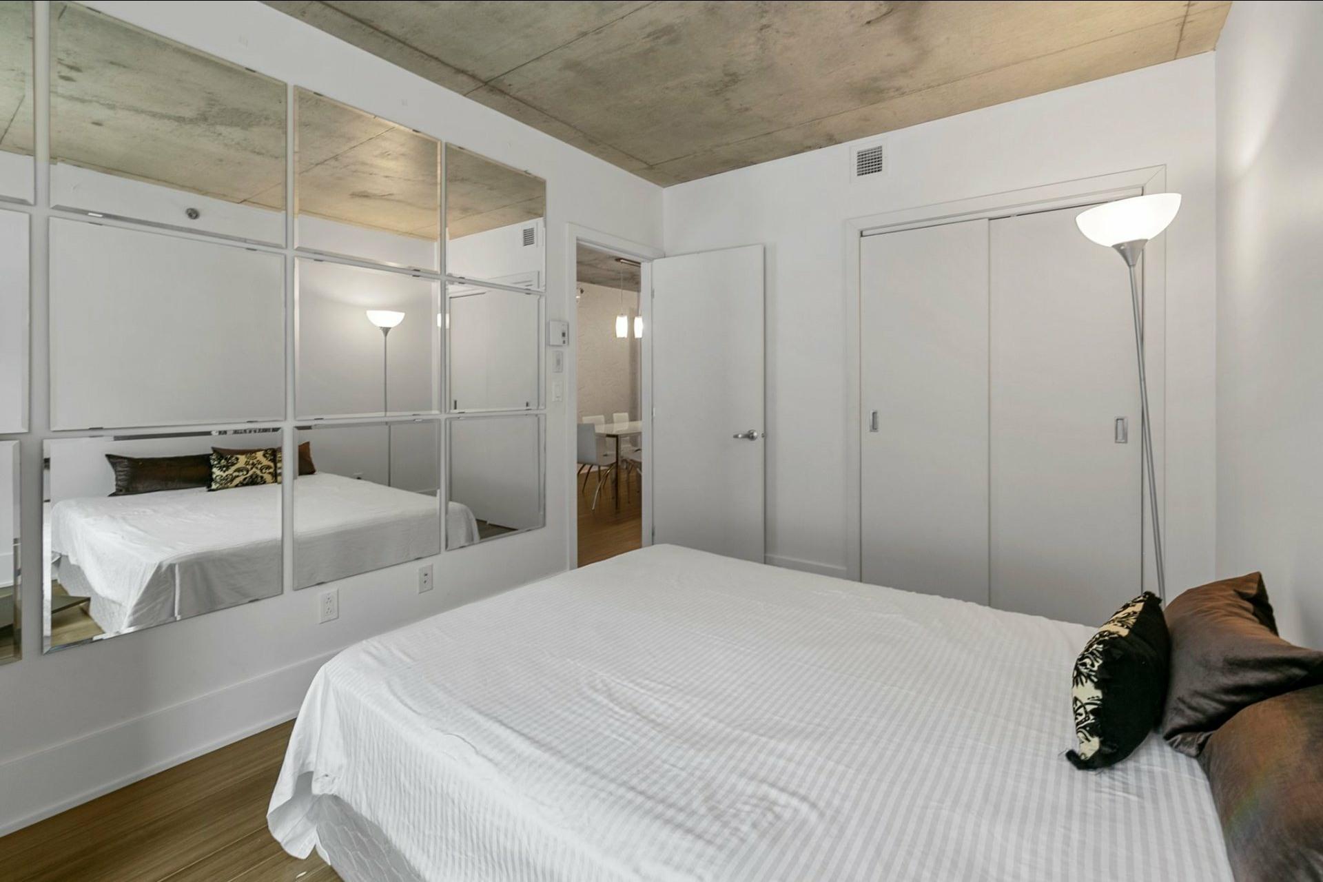 image 16 - Appartement À vendre Ville-Marie Montréal  - 5 pièces