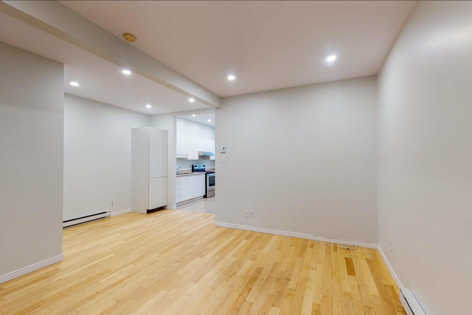 image 4 - Apartment For rent Le Plateau-Mont-Royal Montréal  - 5 rooms