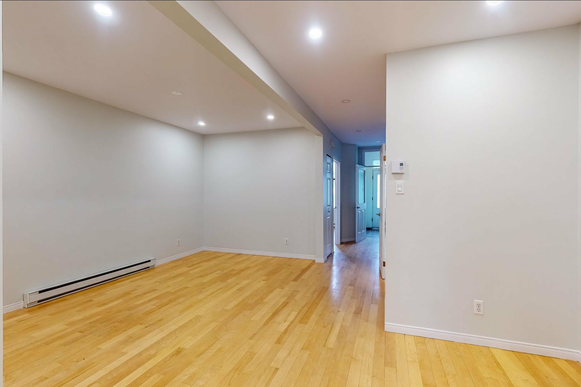 image 5 - Apartment For rent Le Plateau-Mont-Royal Montréal  - 5 rooms