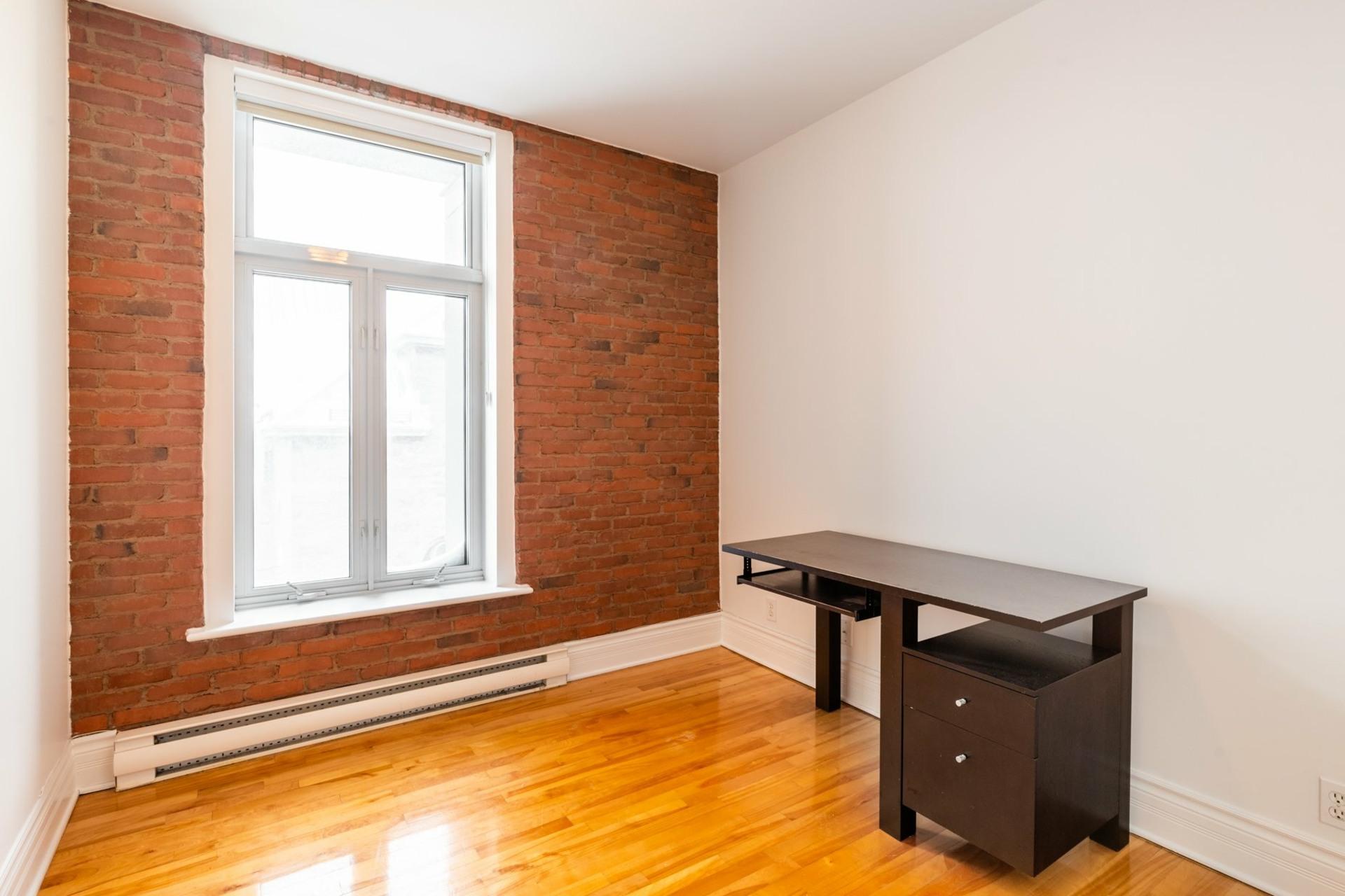 image 11 - Apartment For rent Le Plateau-Mont-Royal Montréal  - 5 rooms