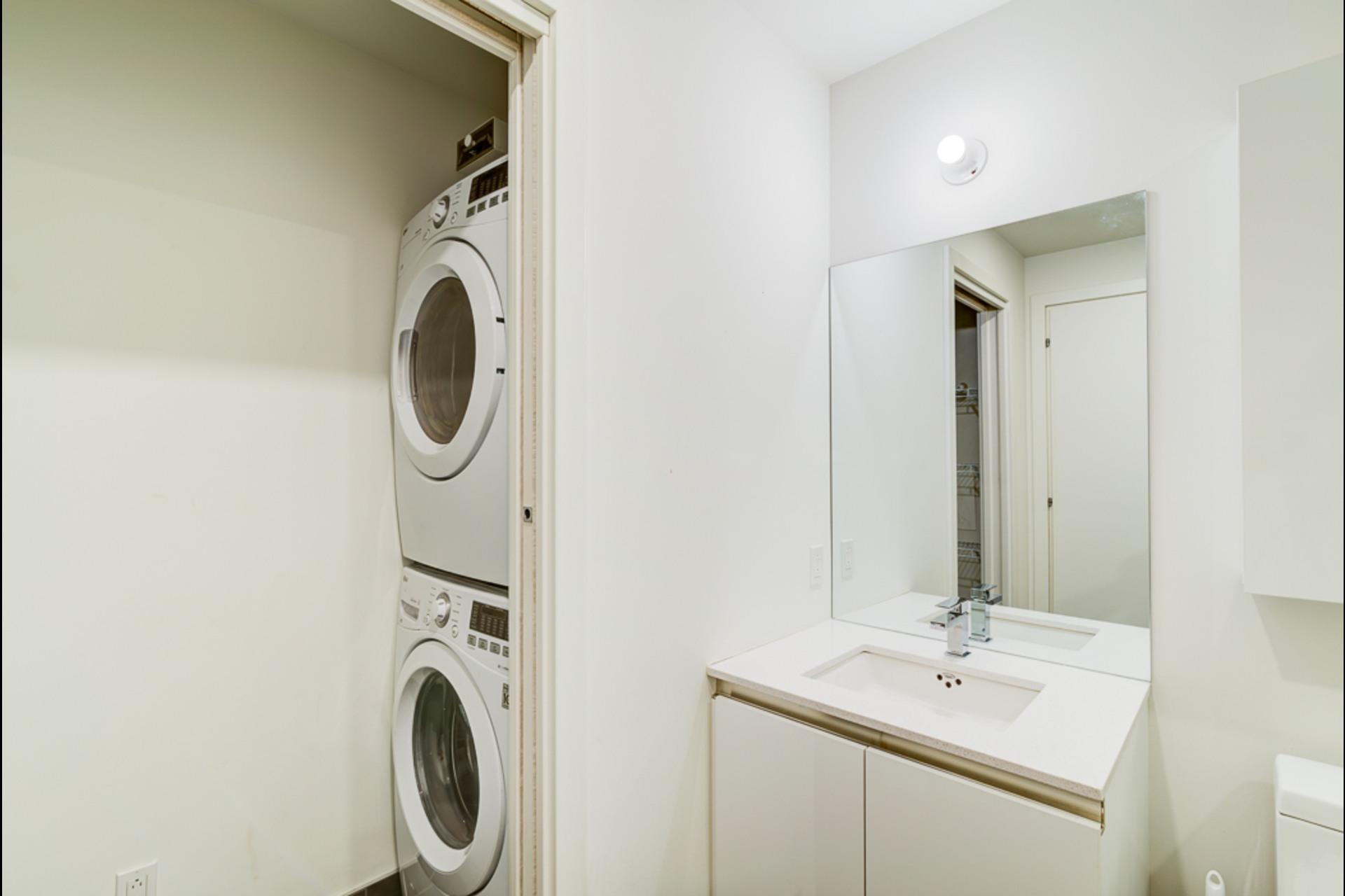 image 18 - Condo For rent Montréal - 4 rooms