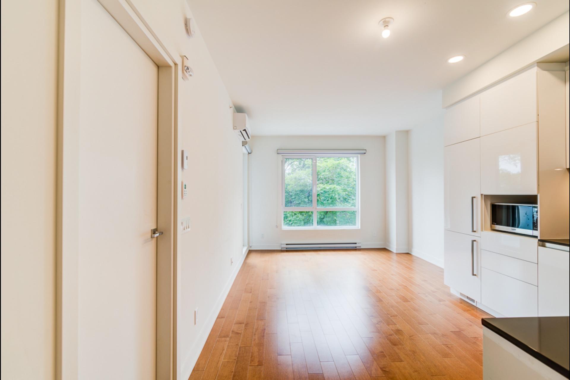 image 1 - 公寓 出租 Montréal