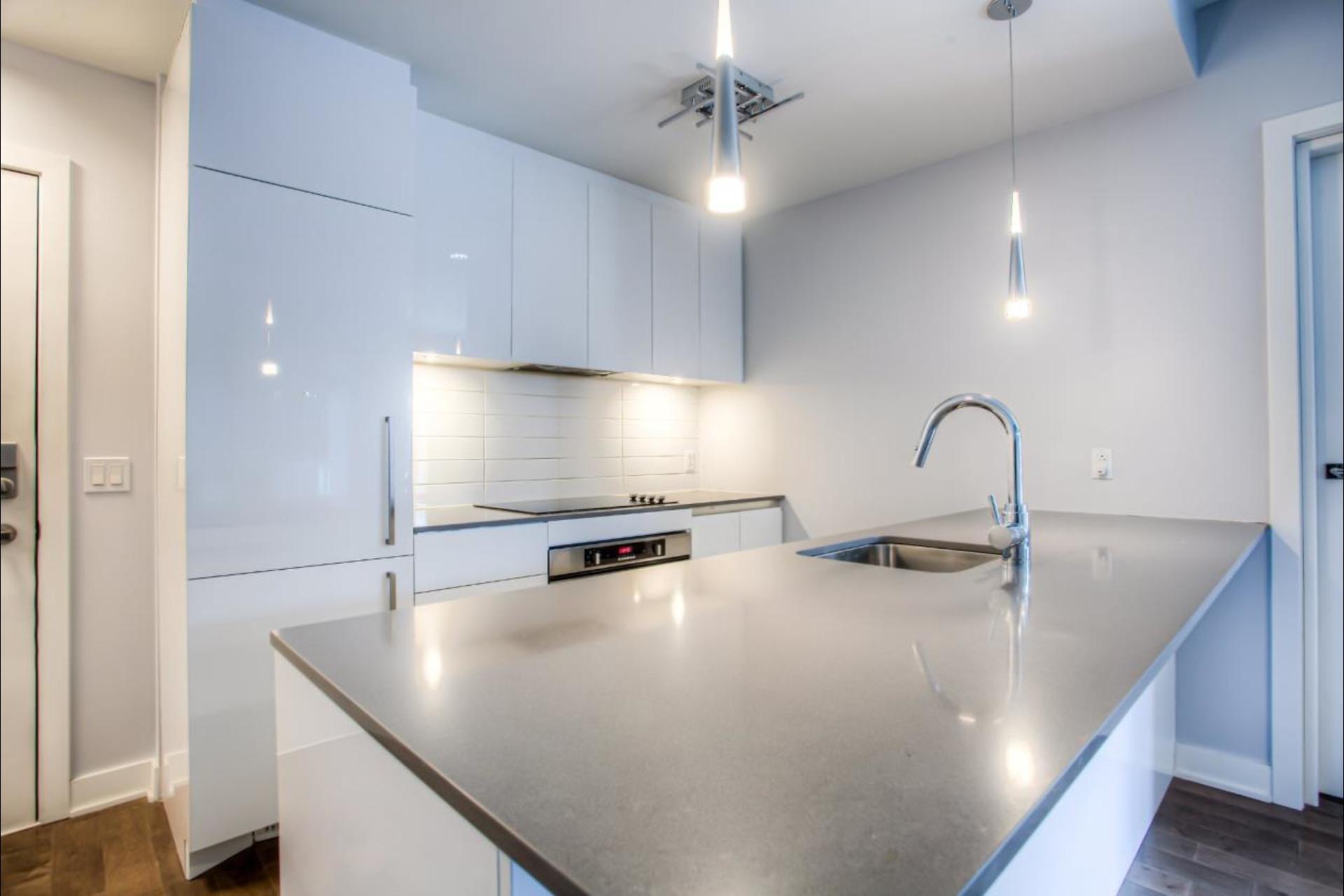 image 2 - Condo For rent Montréal - 6 rooms