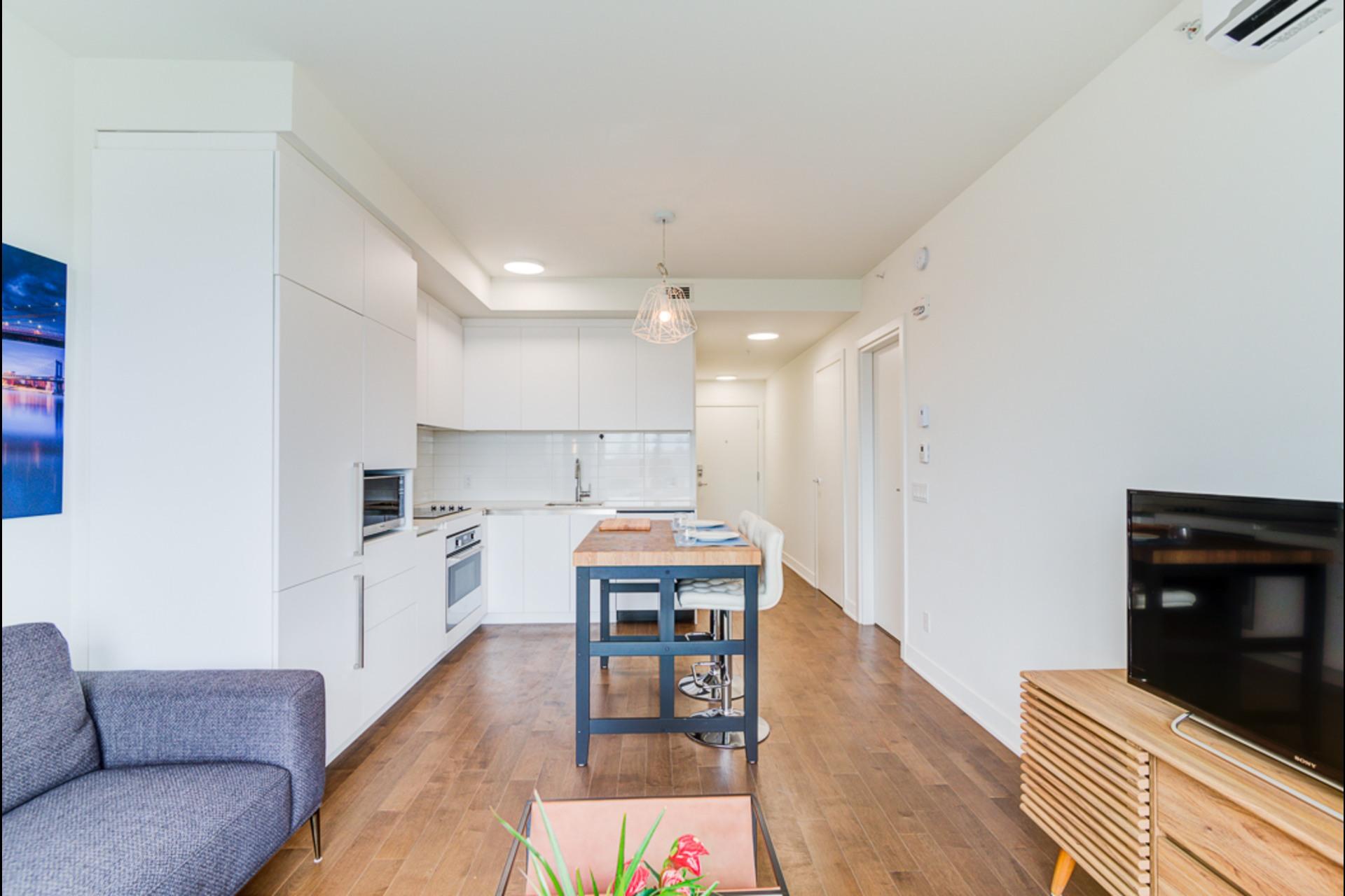 image 11 - Condo For rent Montréal - 4 rooms