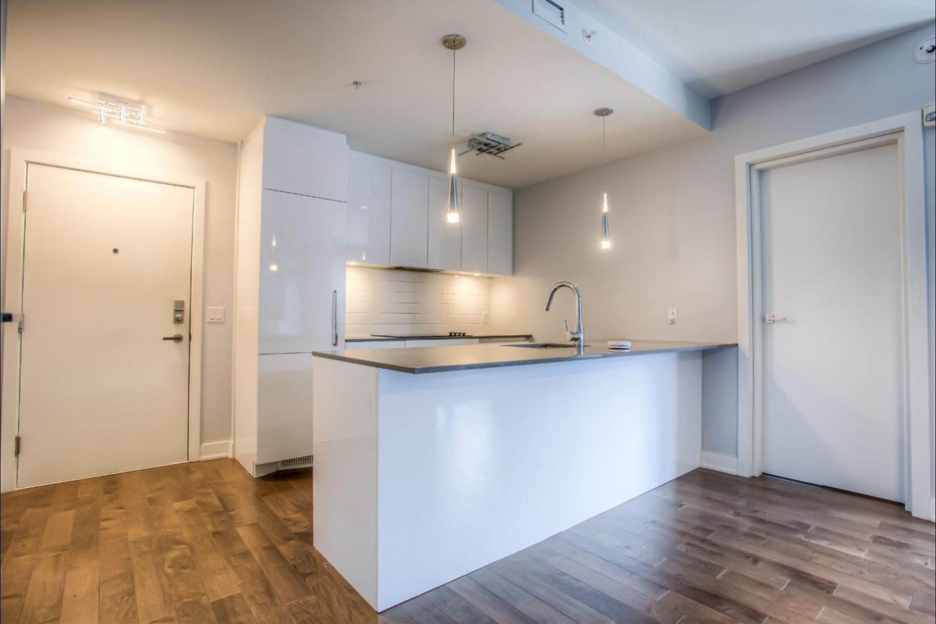 image 1 - Condo For rent Montréal - 6 rooms