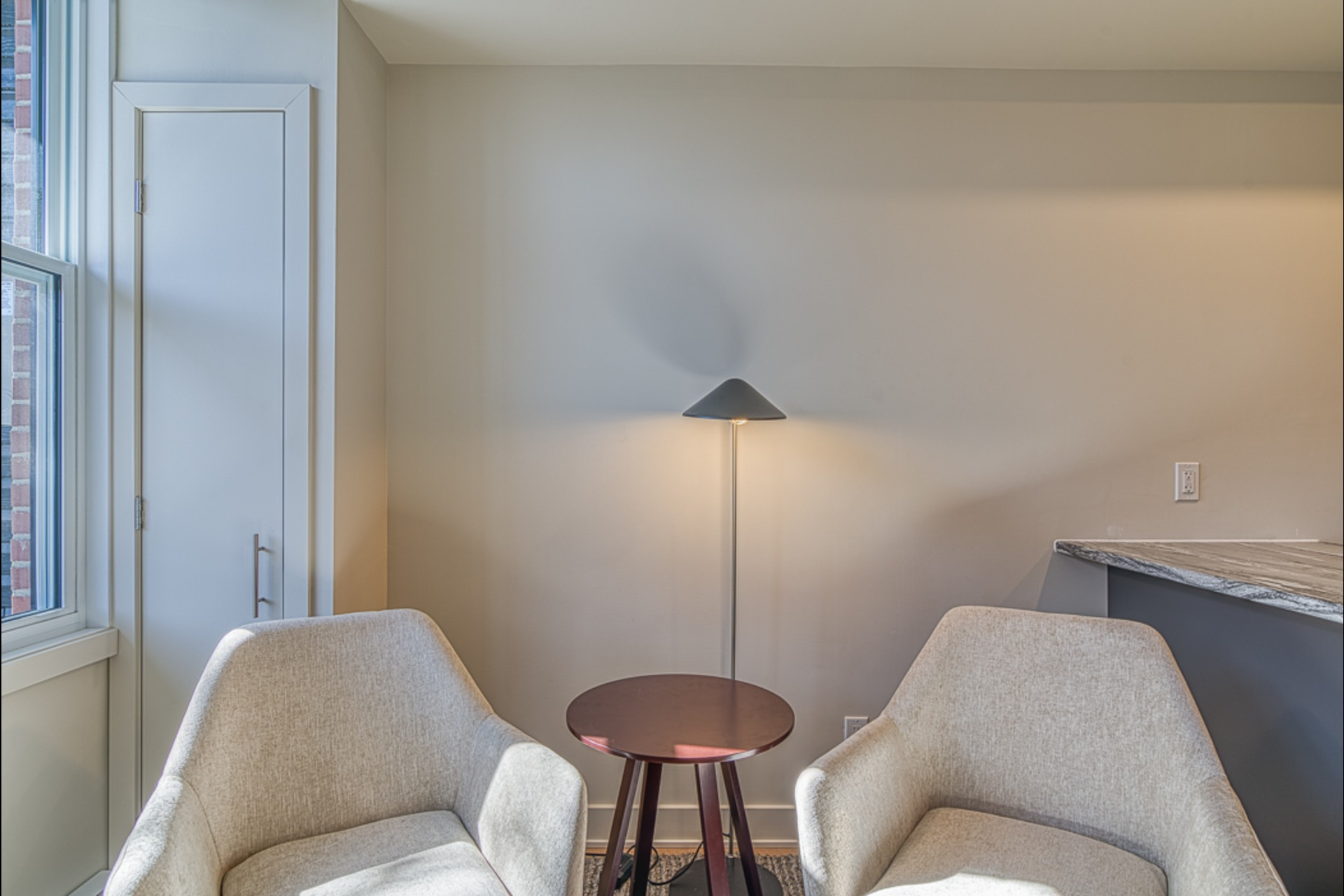 image 15 - Furnished Appartement For rent Montréal - 3 rooms