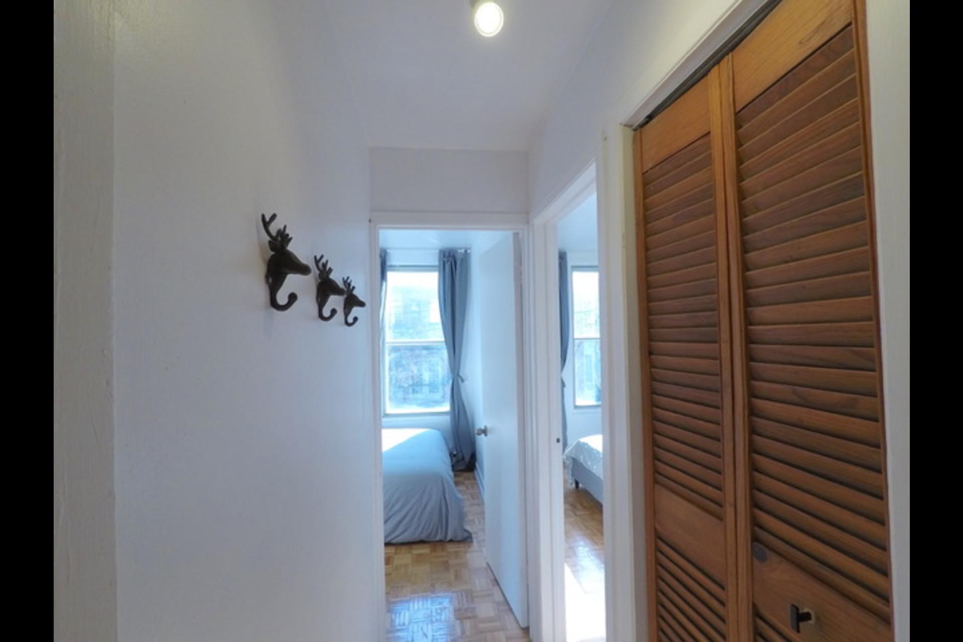image 8 - Appartement À louer Montréal - 5 pièces