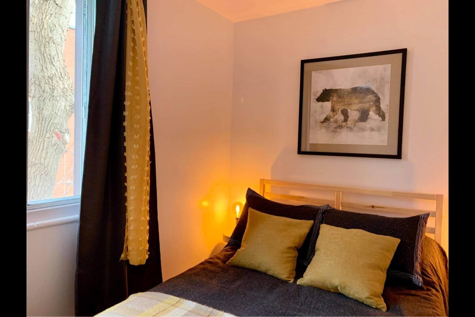 image 1 - Apartment For rent Montréal - 3 rooms