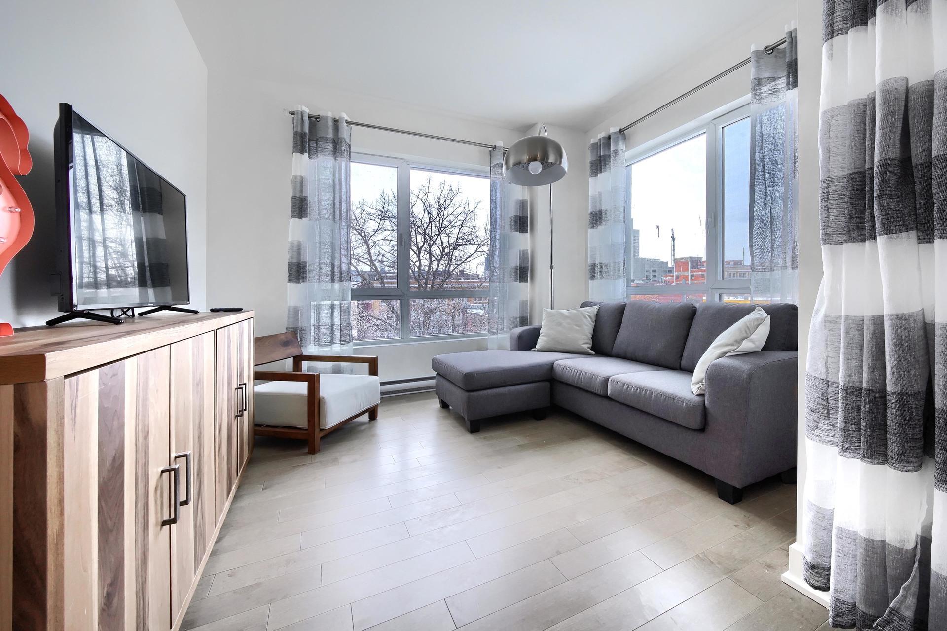 image 6 - Condo For rent Montréal - 4 rooms