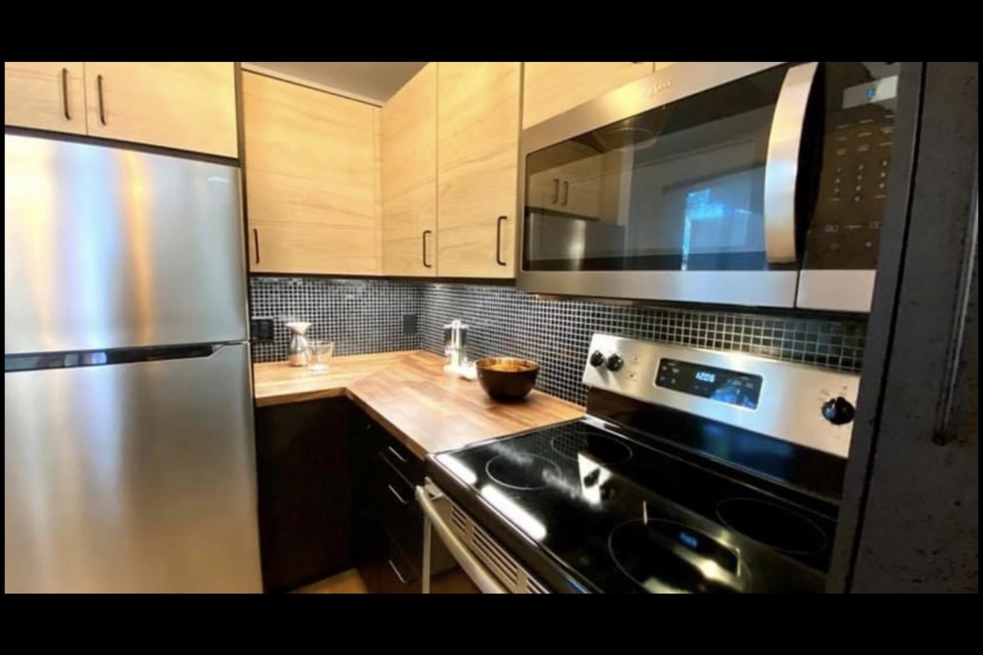 image 4 - Apartment For rent Montréal - 4 rooms