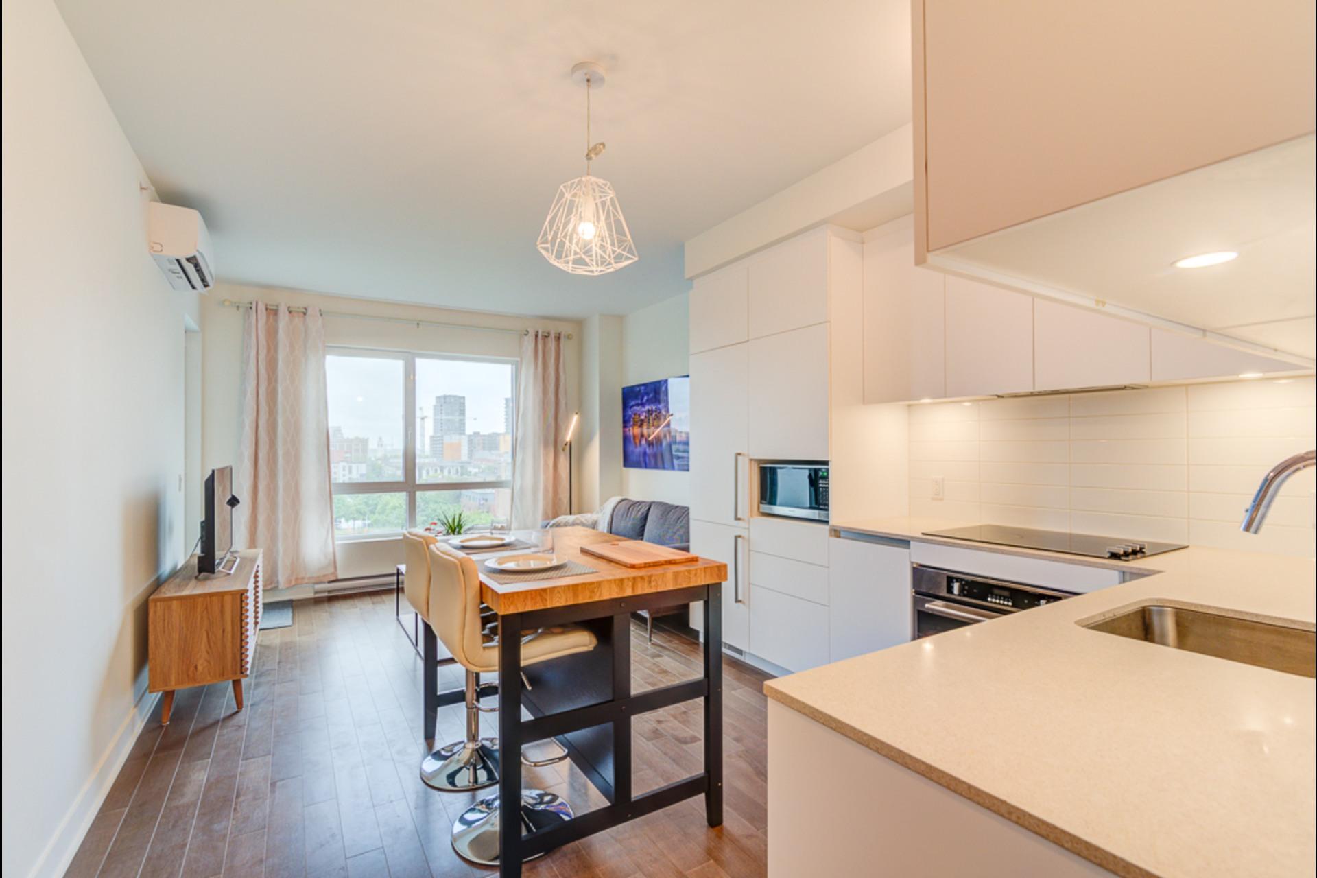 image 1 - Condo For rent Montréal - 4 rooms