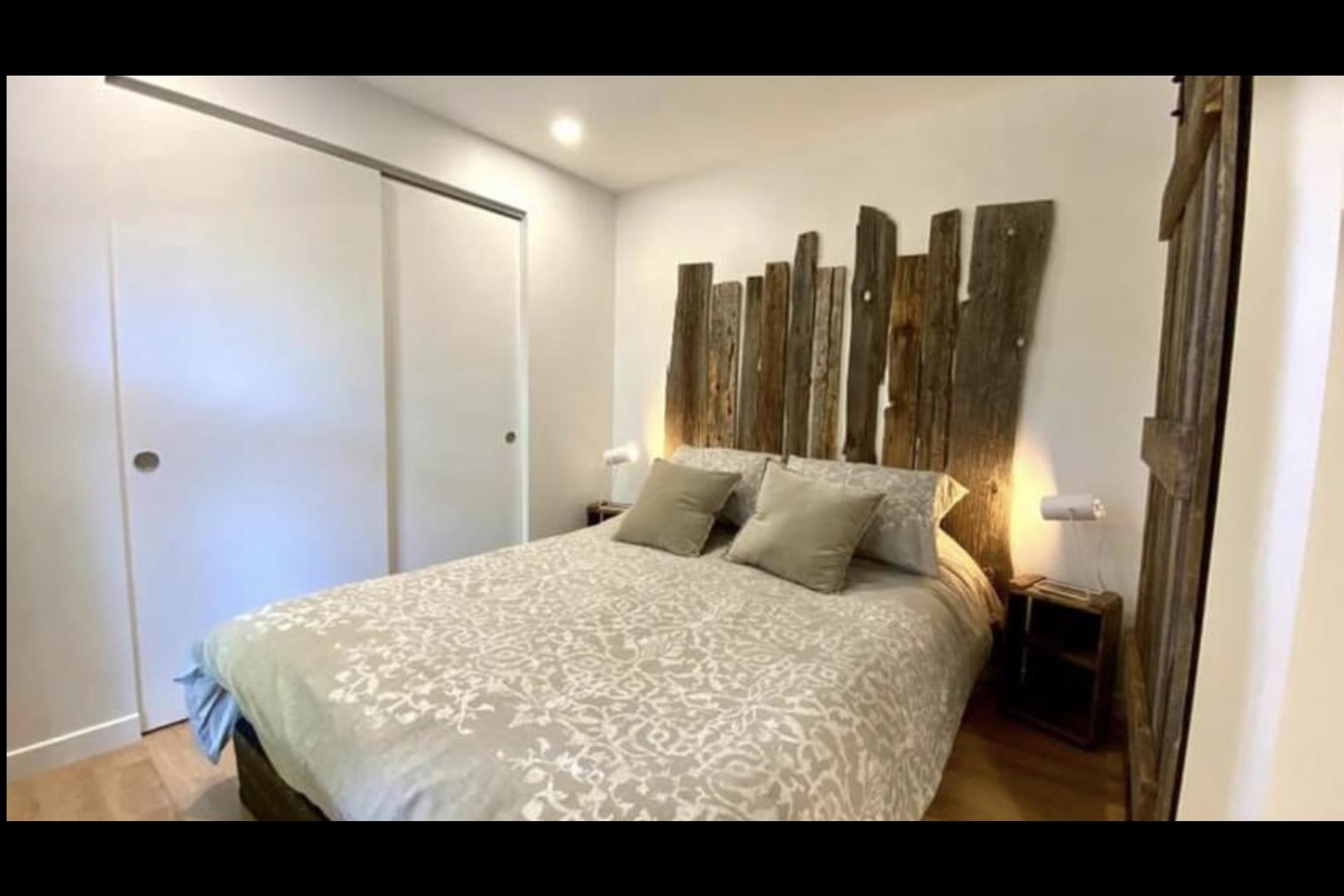 image 2 - Apartment For rent Montréal - 4 rooms